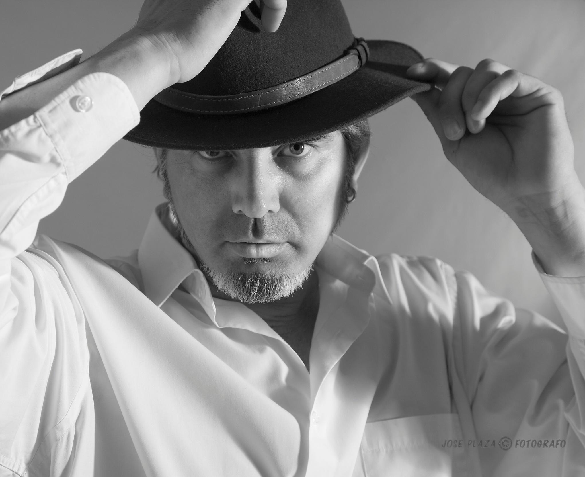 Mario con sombrero by JosePlaza