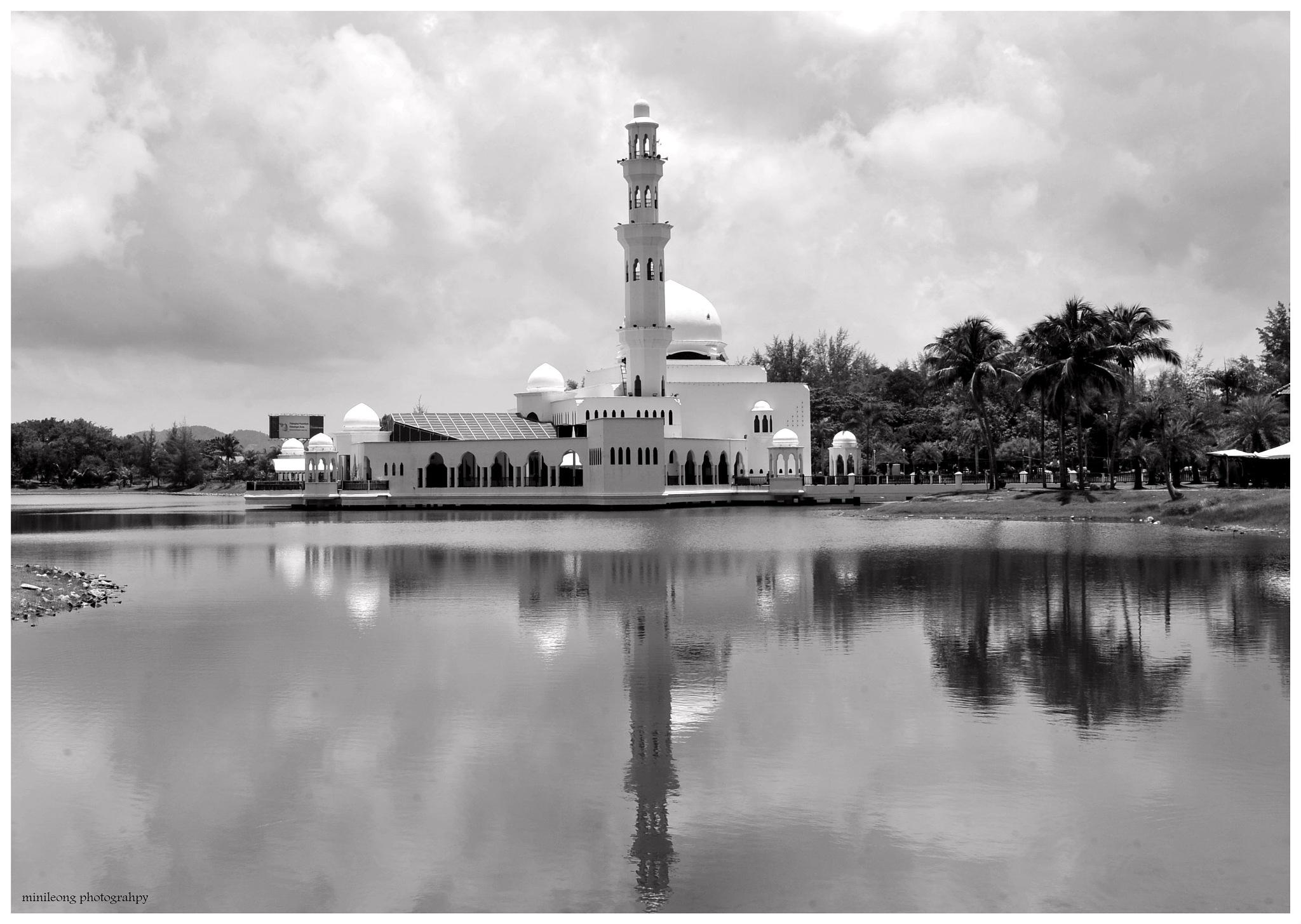 Beauty of Malaysia 03: Floating Tengku Tengah Zaharah Mosque  by minileong