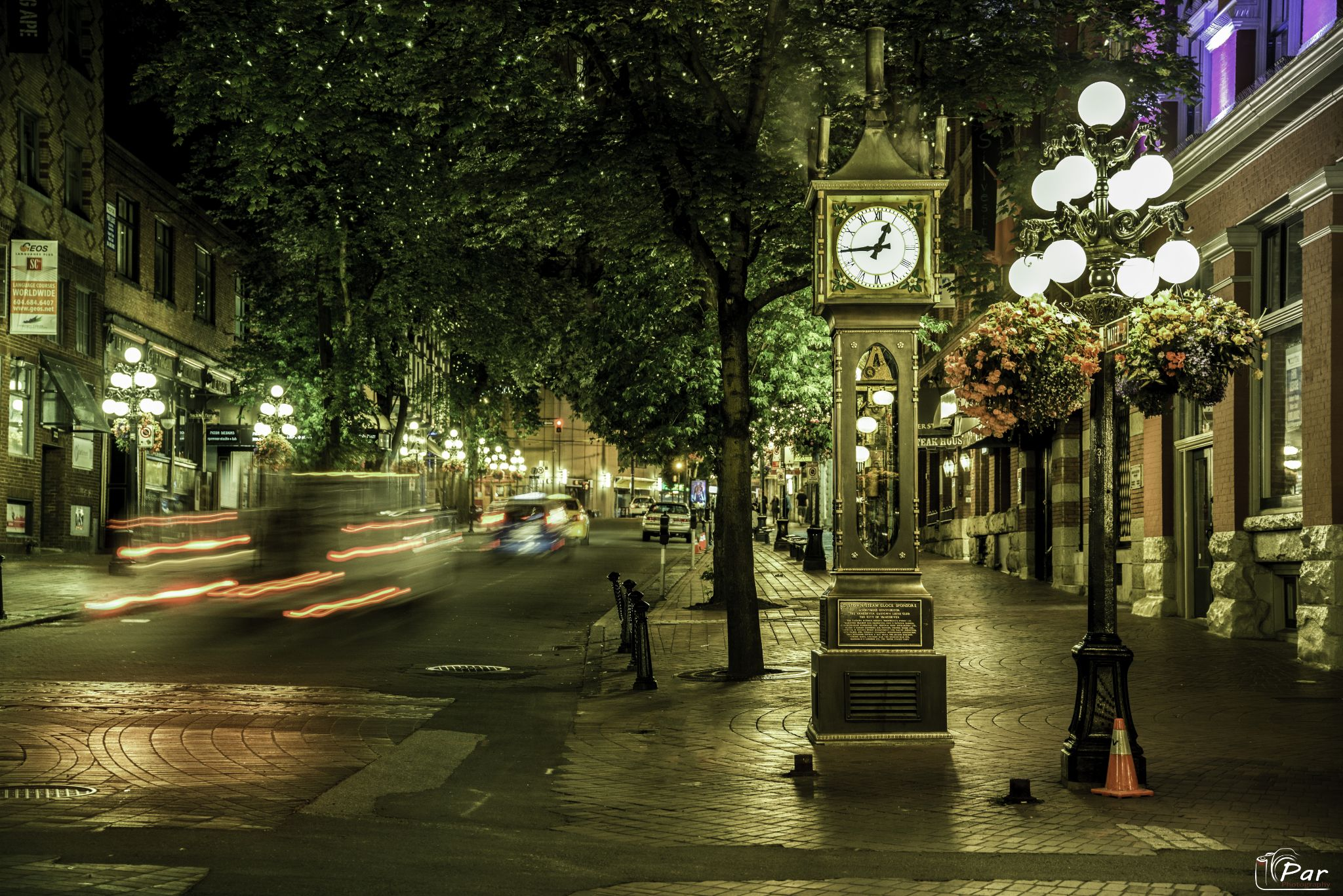 Steam Clock Gastown Vancouver by Par Photography