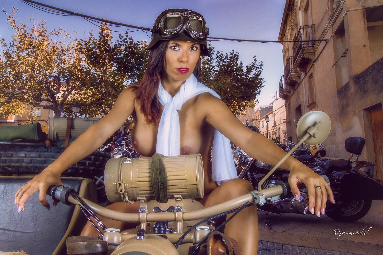 Biker woman vintage by JaumeVidal