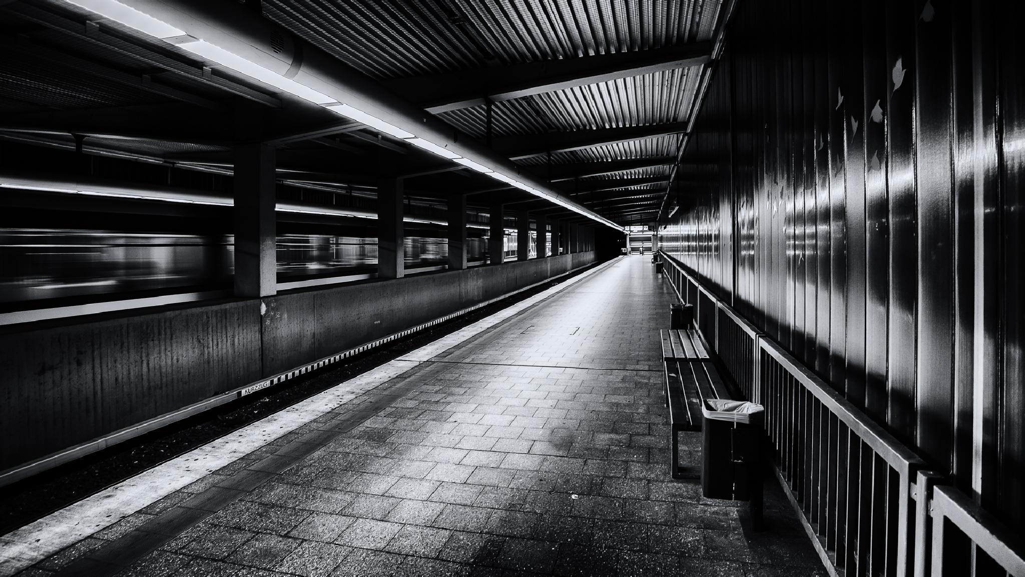 up in the underground by Robert Glöckner
