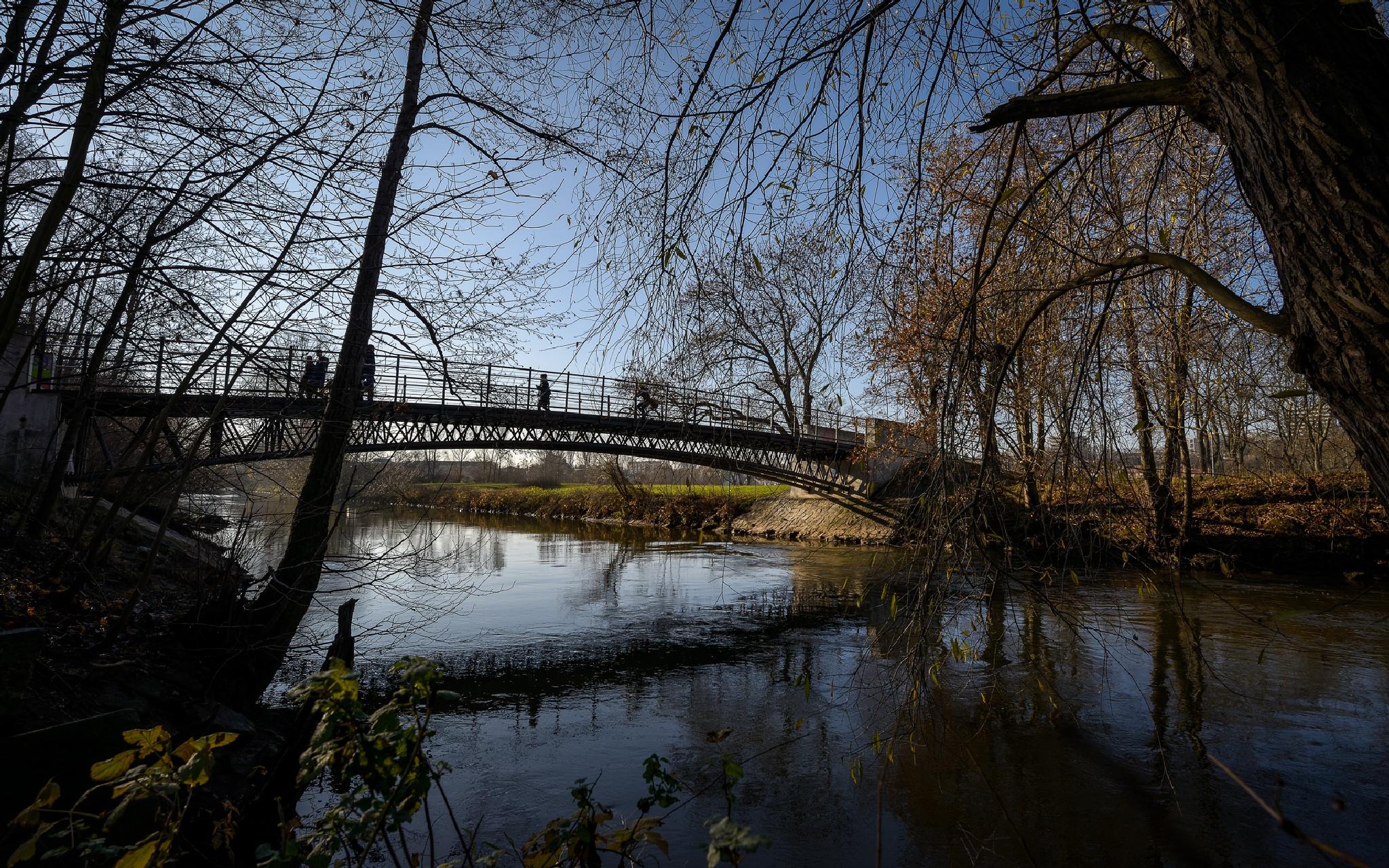 bridge december noon by Robert Glöckner