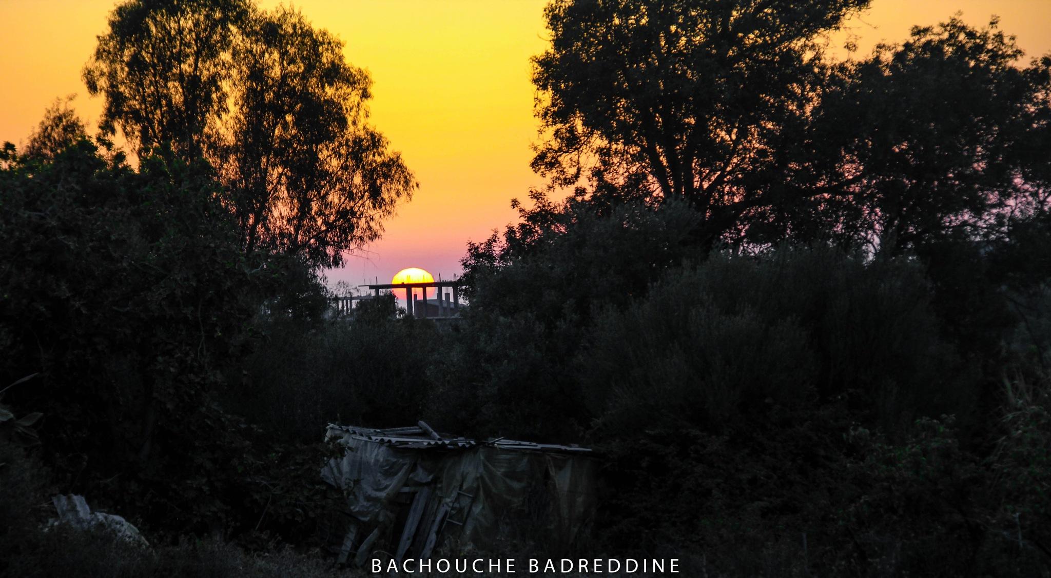 غروب الشمس  by Badreddine Bachouche