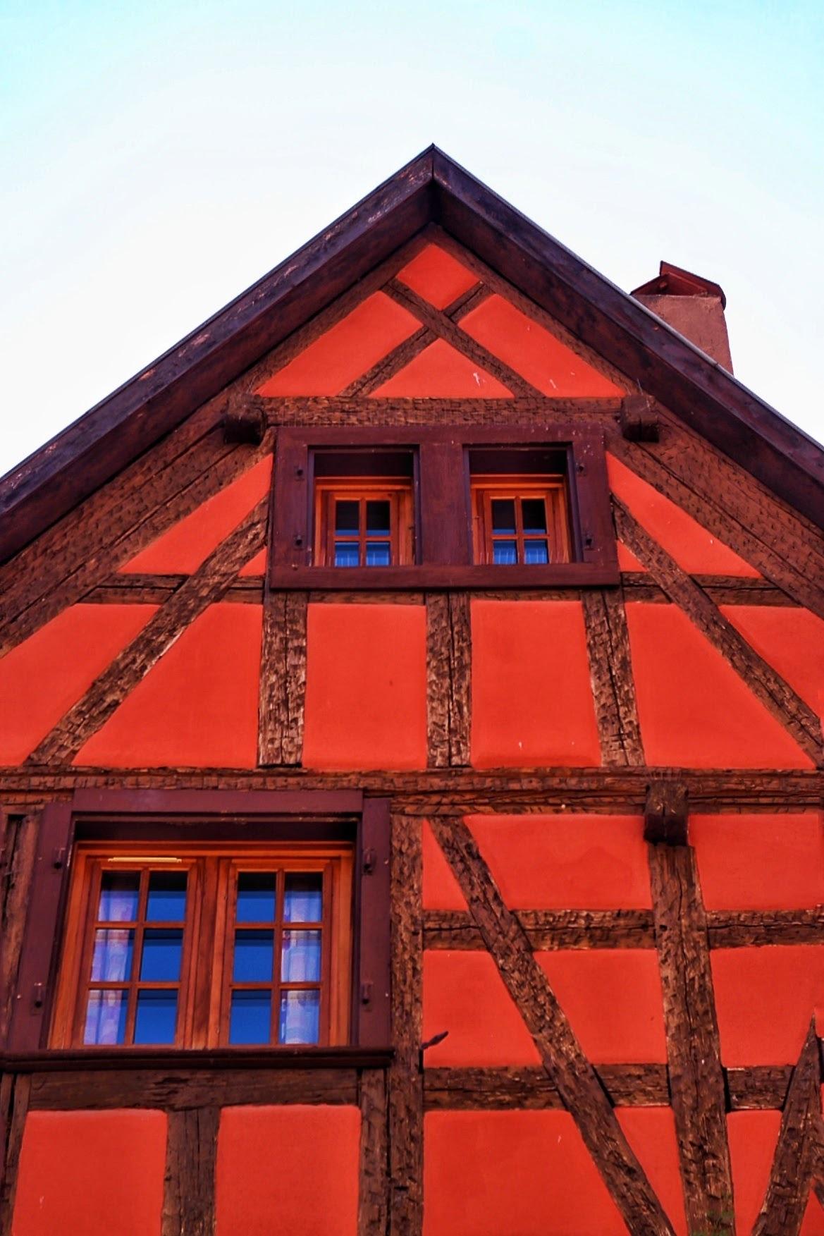 A red house. by markkutoivari