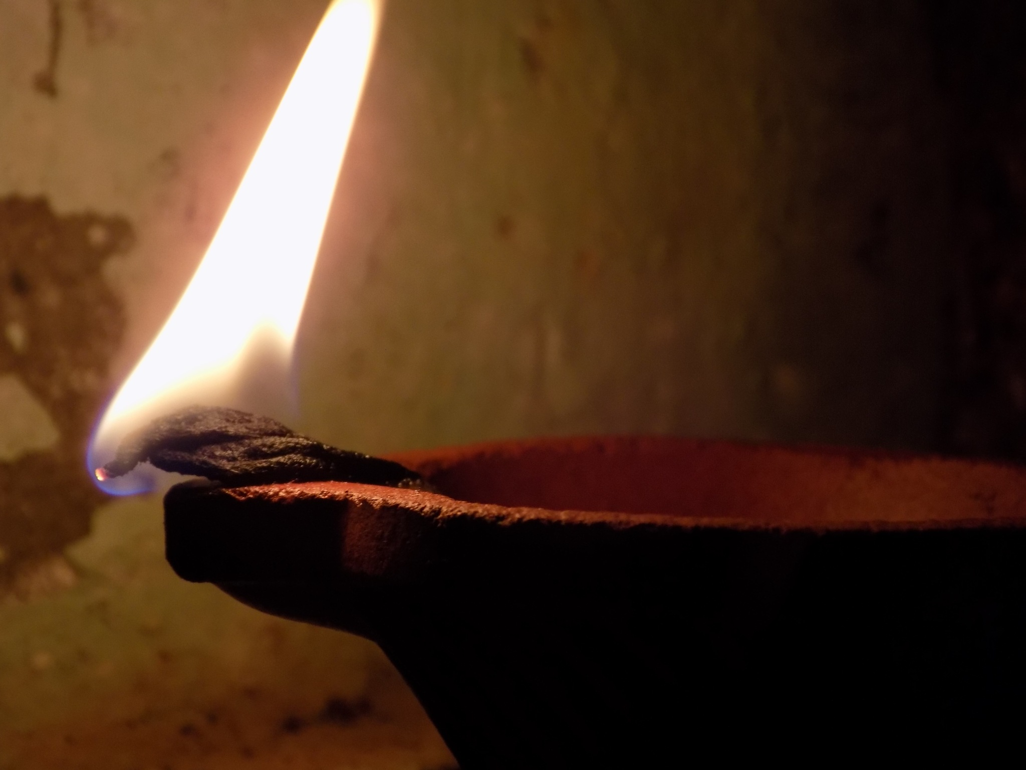 Oil Lamp by Chandramoulieswar