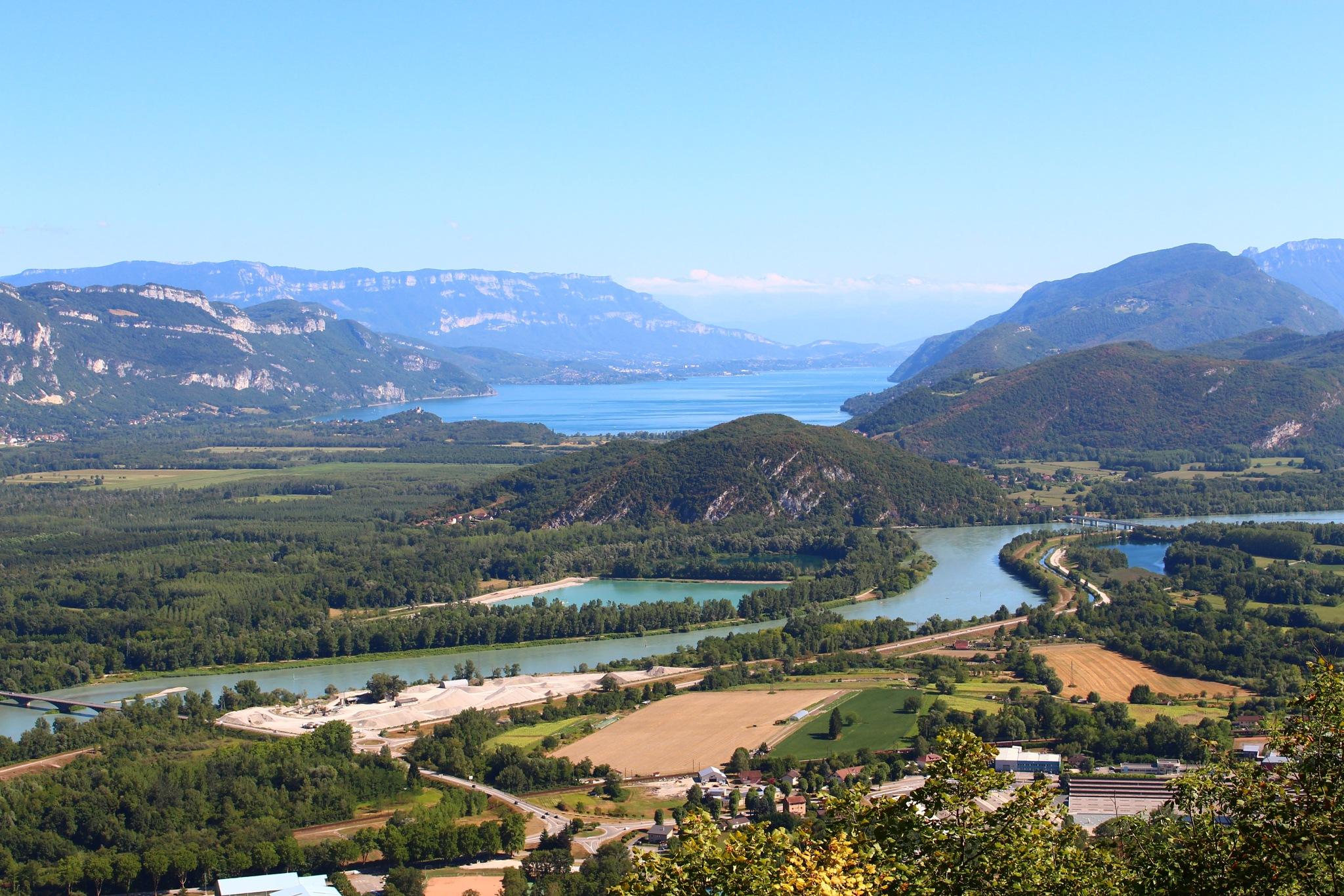 Le lac du Bourget et le Rhône depuis le Grand Colombier by CaptureOfAlex
