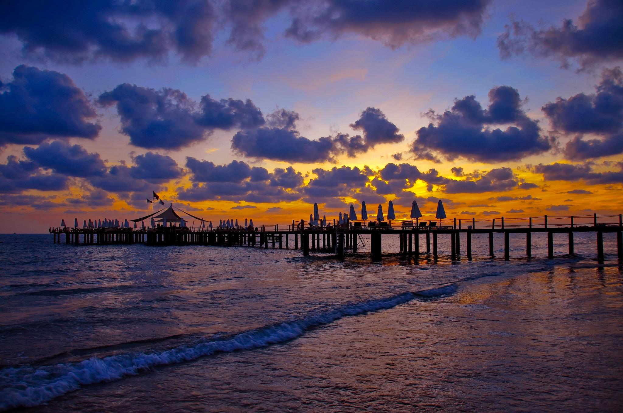 Side sunset by Ermedin Islamcevic