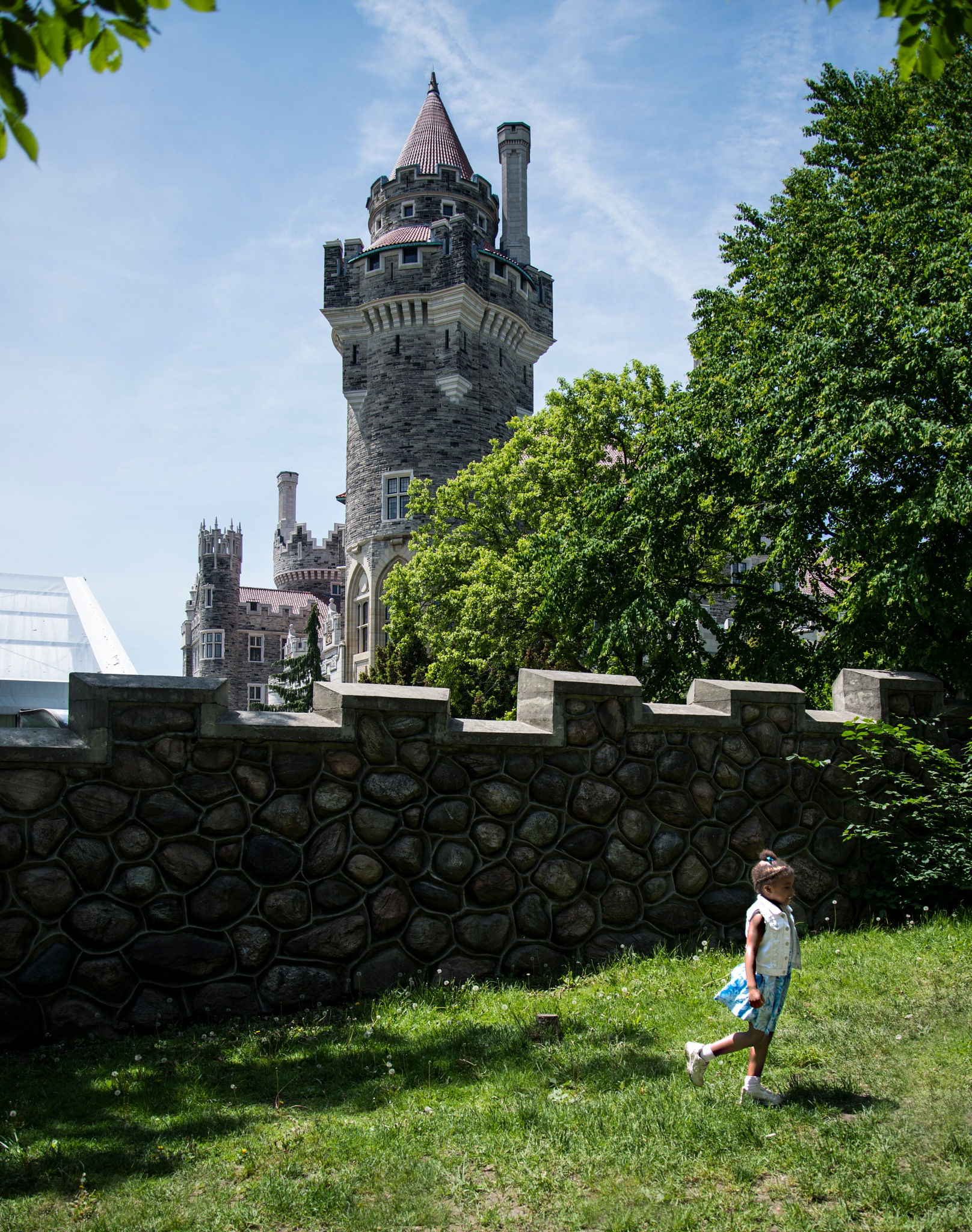 The Girl & The Castle by msfphotography