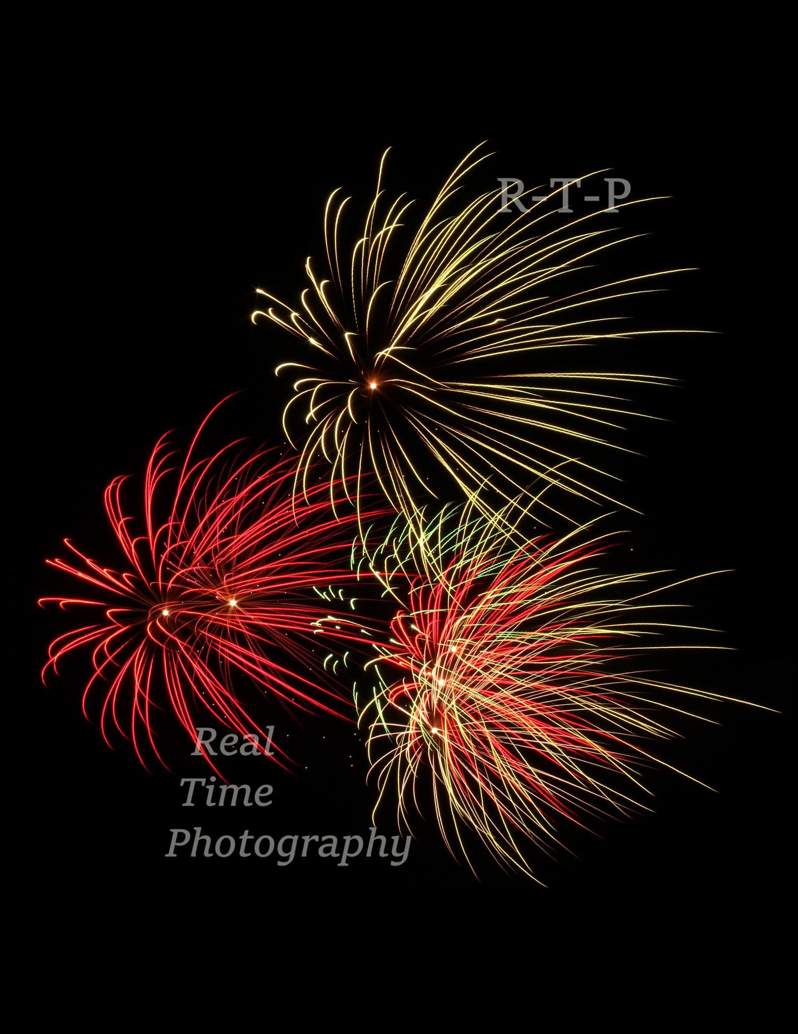 Yarmouth fireworks by Daryl Marlow