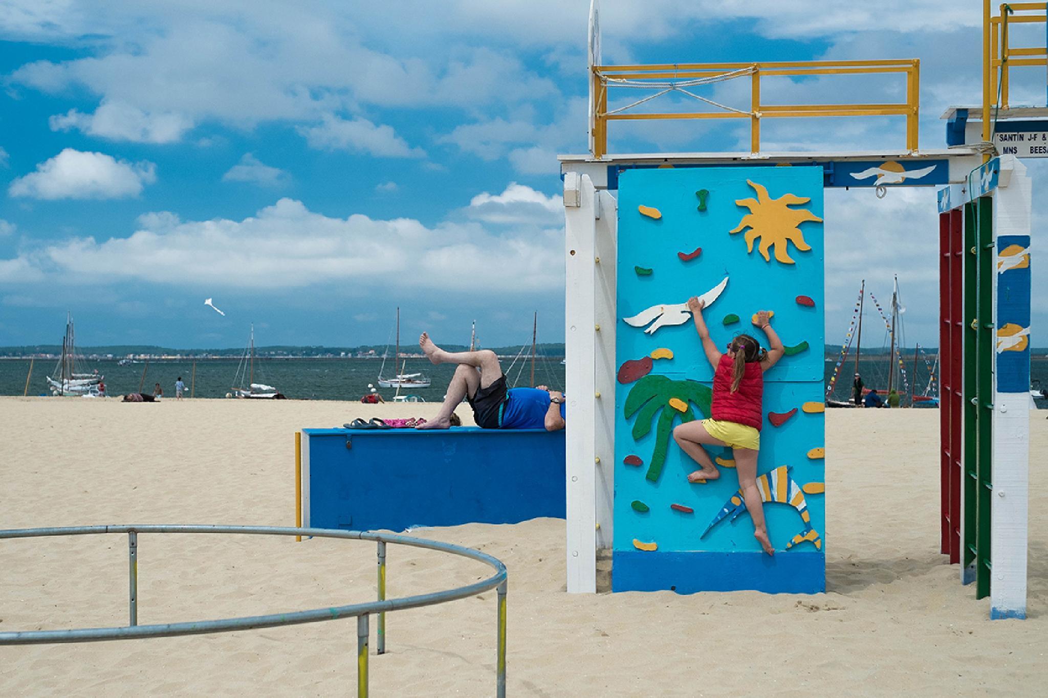 Mickey beach playground by Arnaud BROSSARD