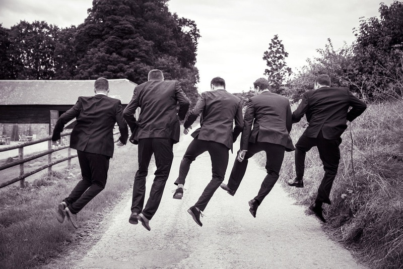 Ideas For Candid Groomsmen Shots by Elizphotography