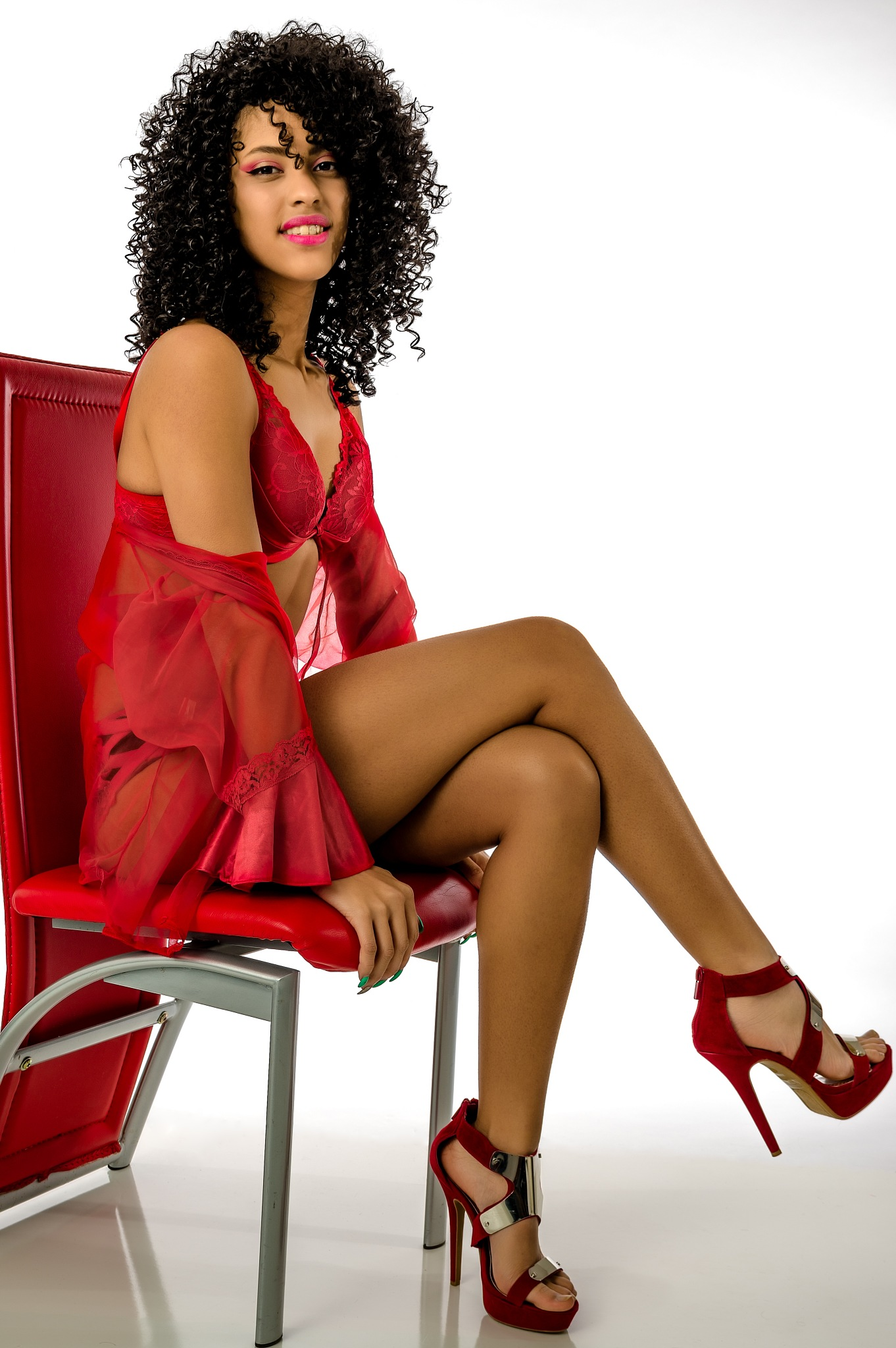 Tiffany - Lady in Red by Moments Matter Photography by Phil