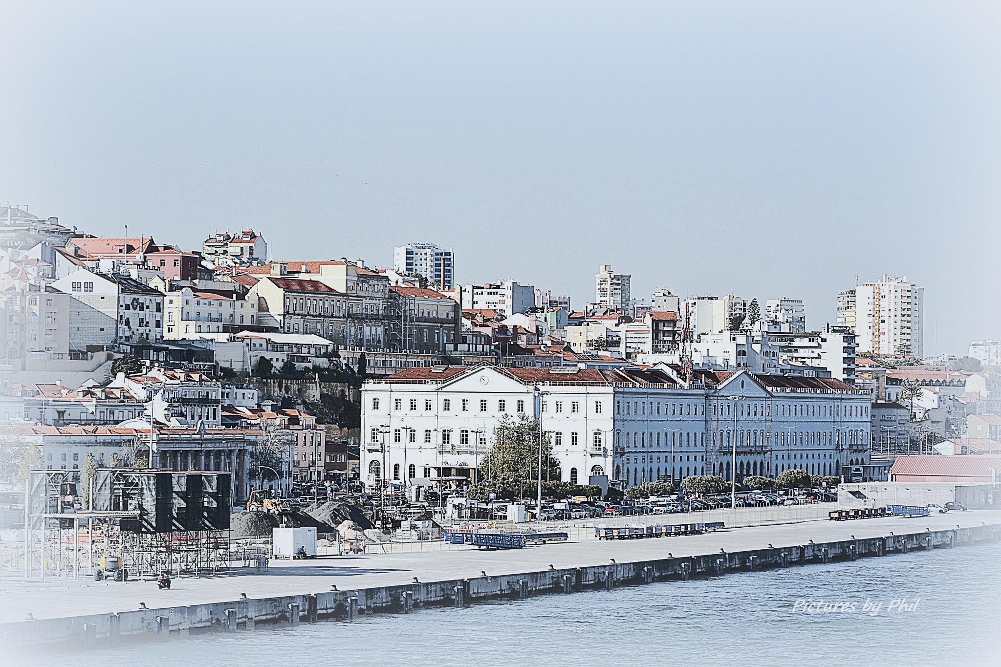 Lisbon by Philip Goldsmith