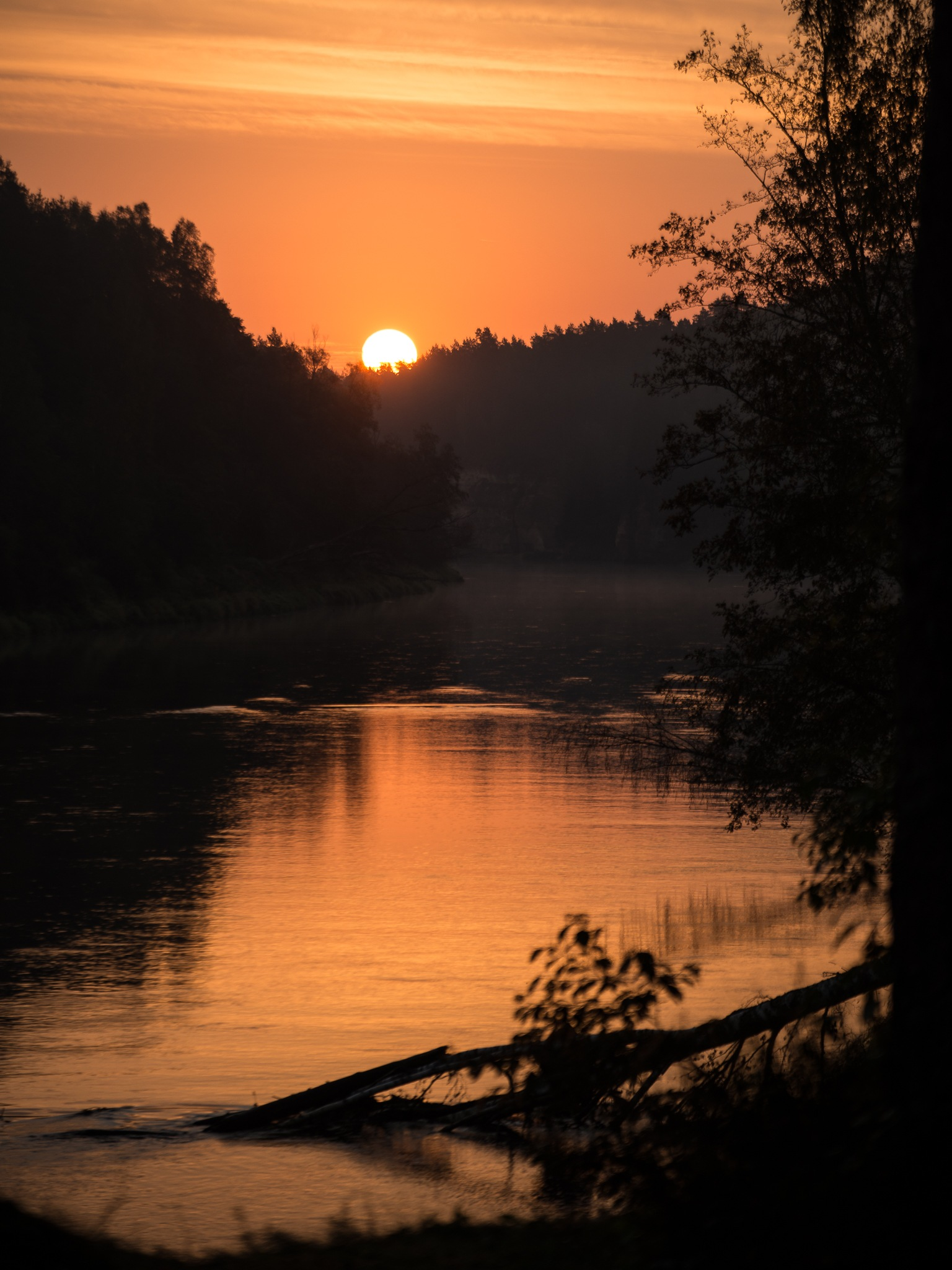Sunrise over river Gauja by martinsvanags