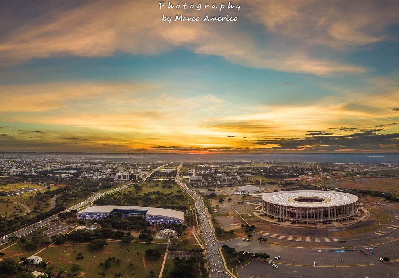 Sunset in Brasilia, Brasil. by Marco Americo