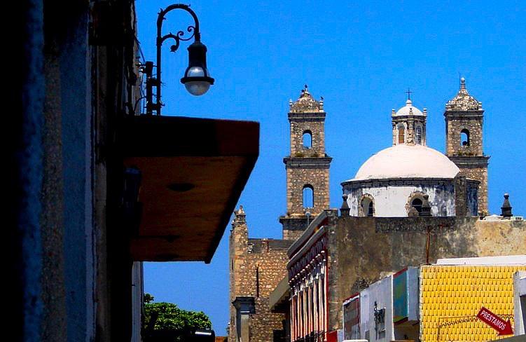 Mérida's City Church/ México by Chico Vecchia