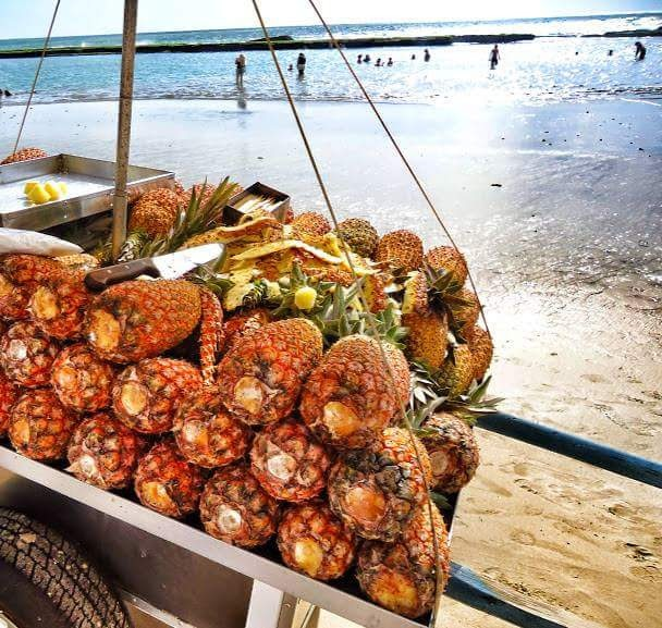 Pineapple seller on Boa Viagem beach by Sonja