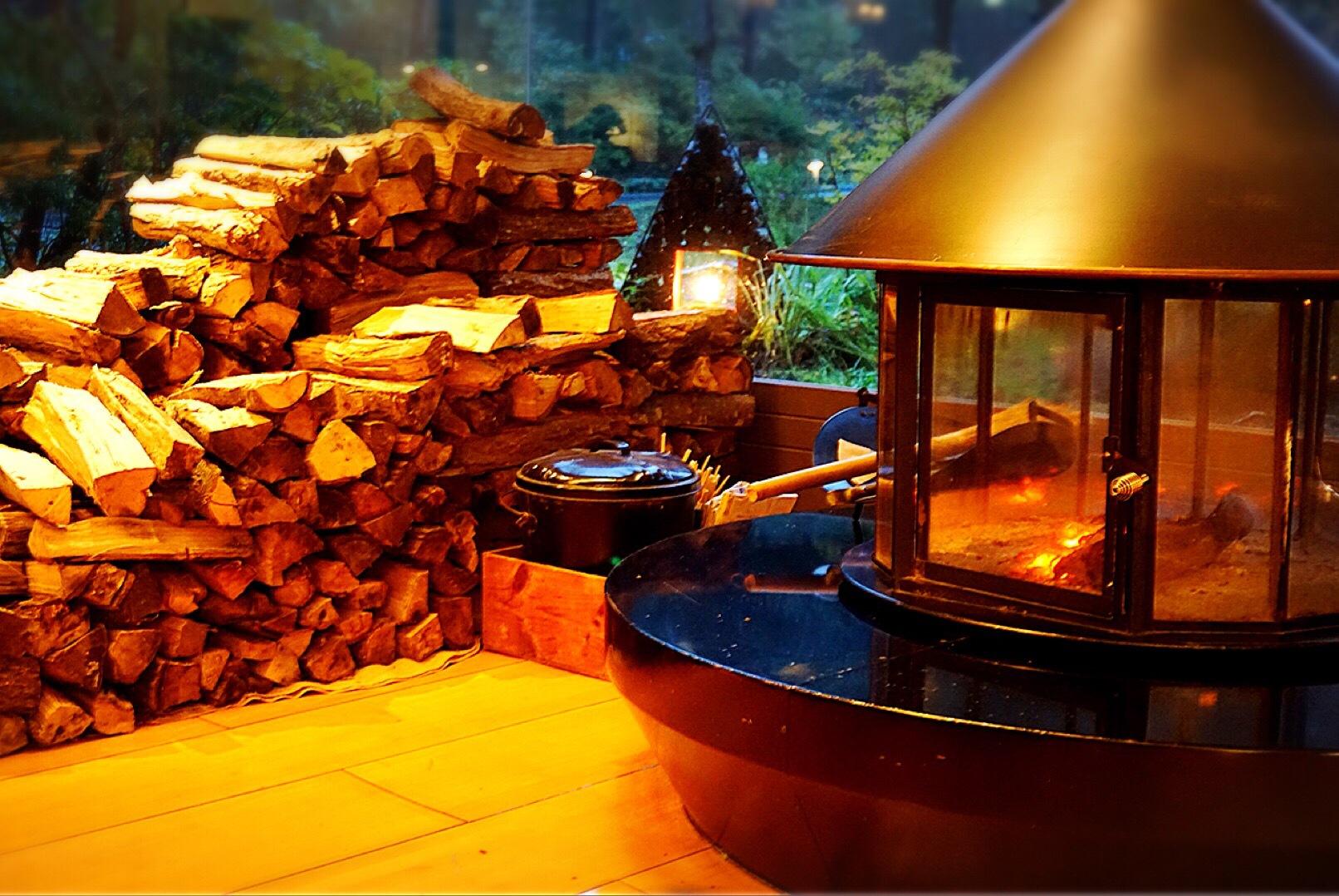 冬の予感 I need this wood burning stove tonight by HIRO