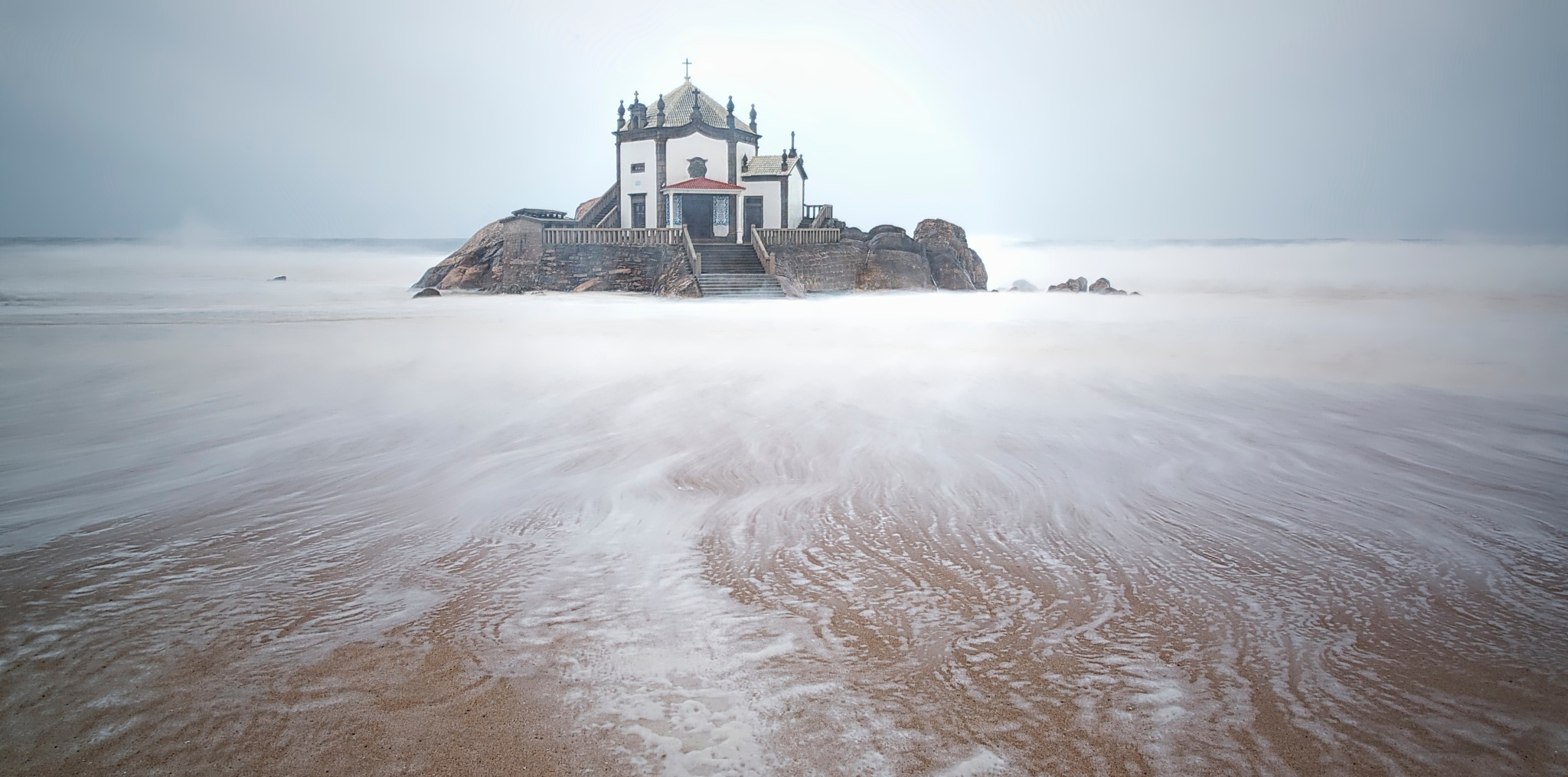 Chapel in the sea by Linette Simões
