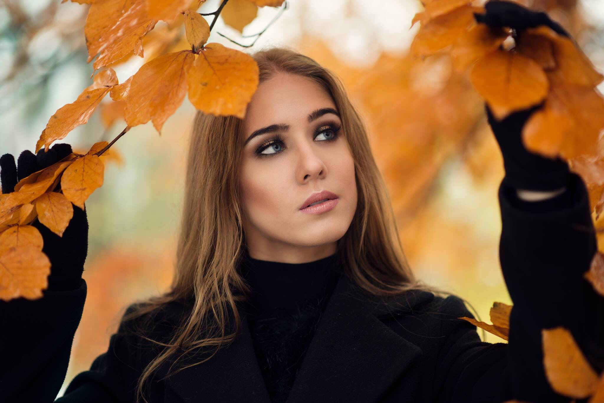 Autumn portrait by Fotonero