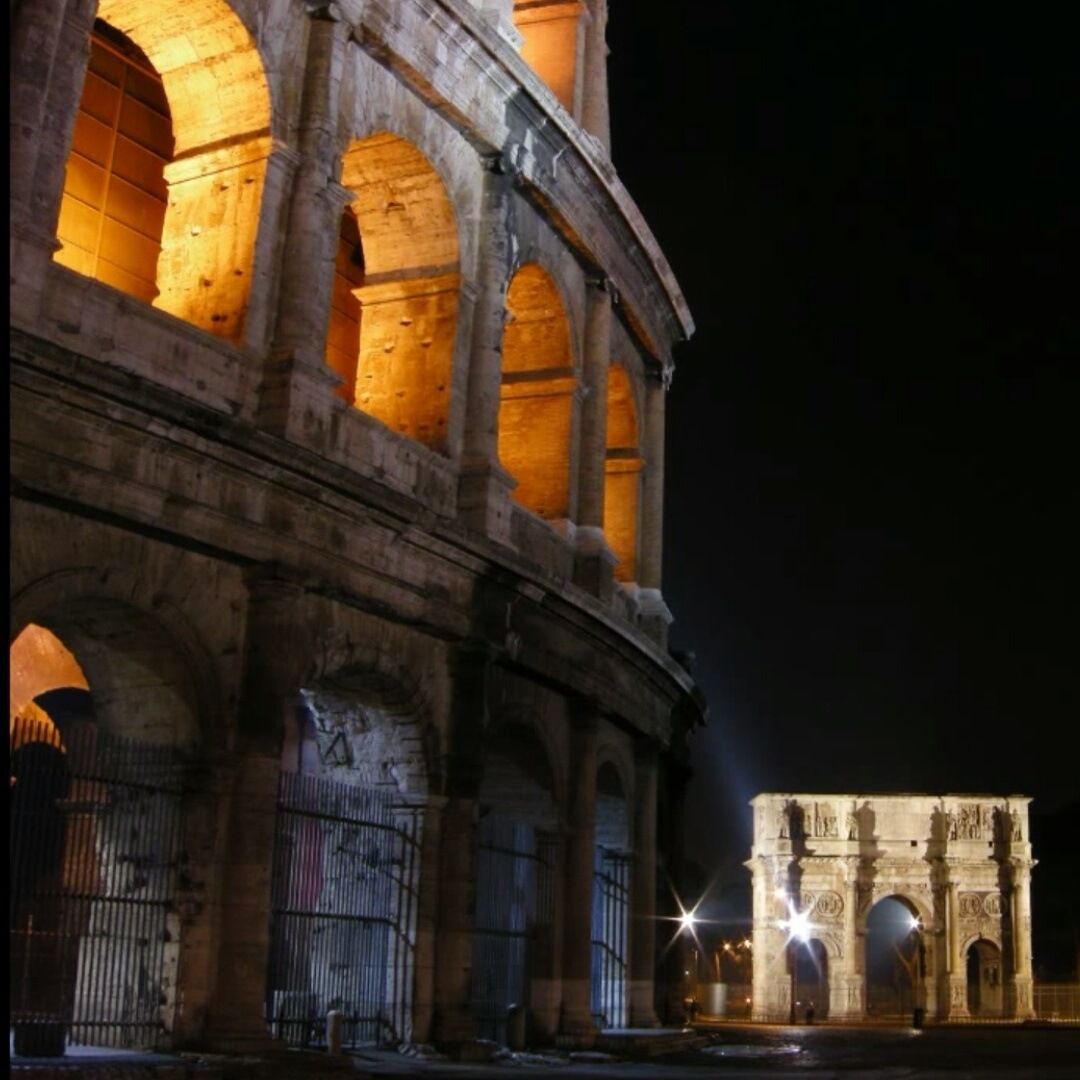 Roma   Colosseo   by night  by oscardottavi