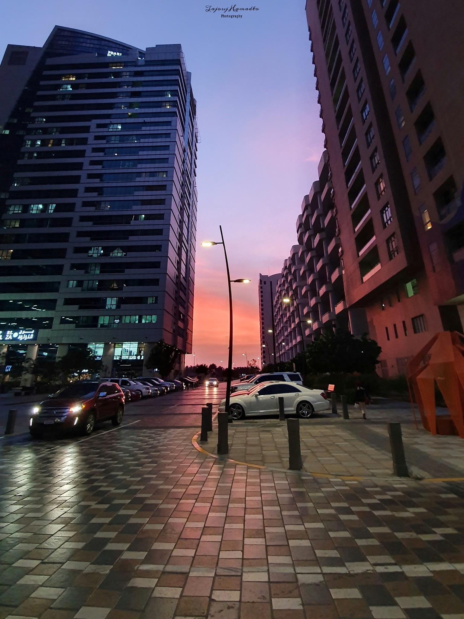 City Sunset  by Tajouj Hamadto