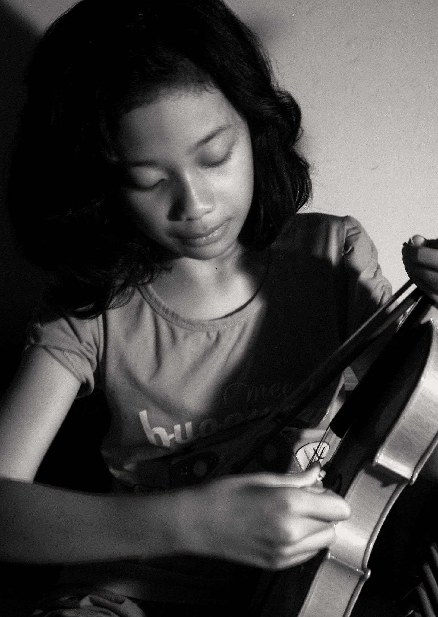 Sadness of her broken violin by wisnu purnomo sidhi