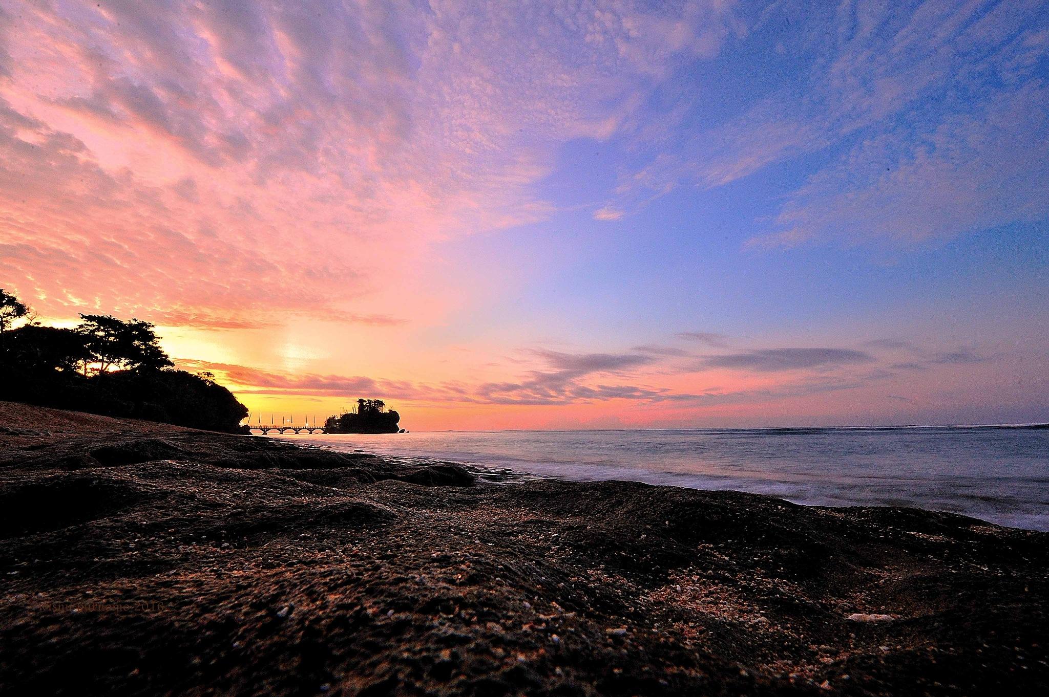 Purple Hour by wisnu purnomo sidhi