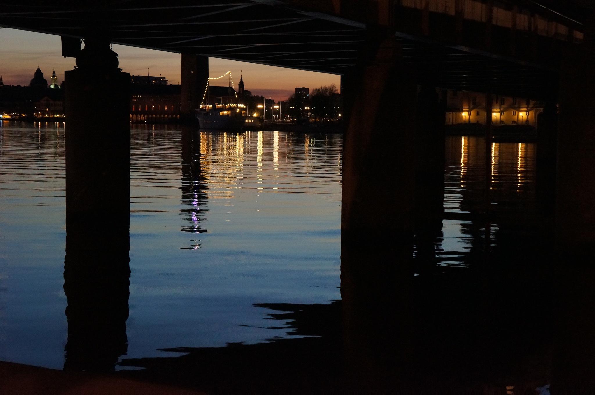 Stockholm  under bron  by Max Cesare Parodi