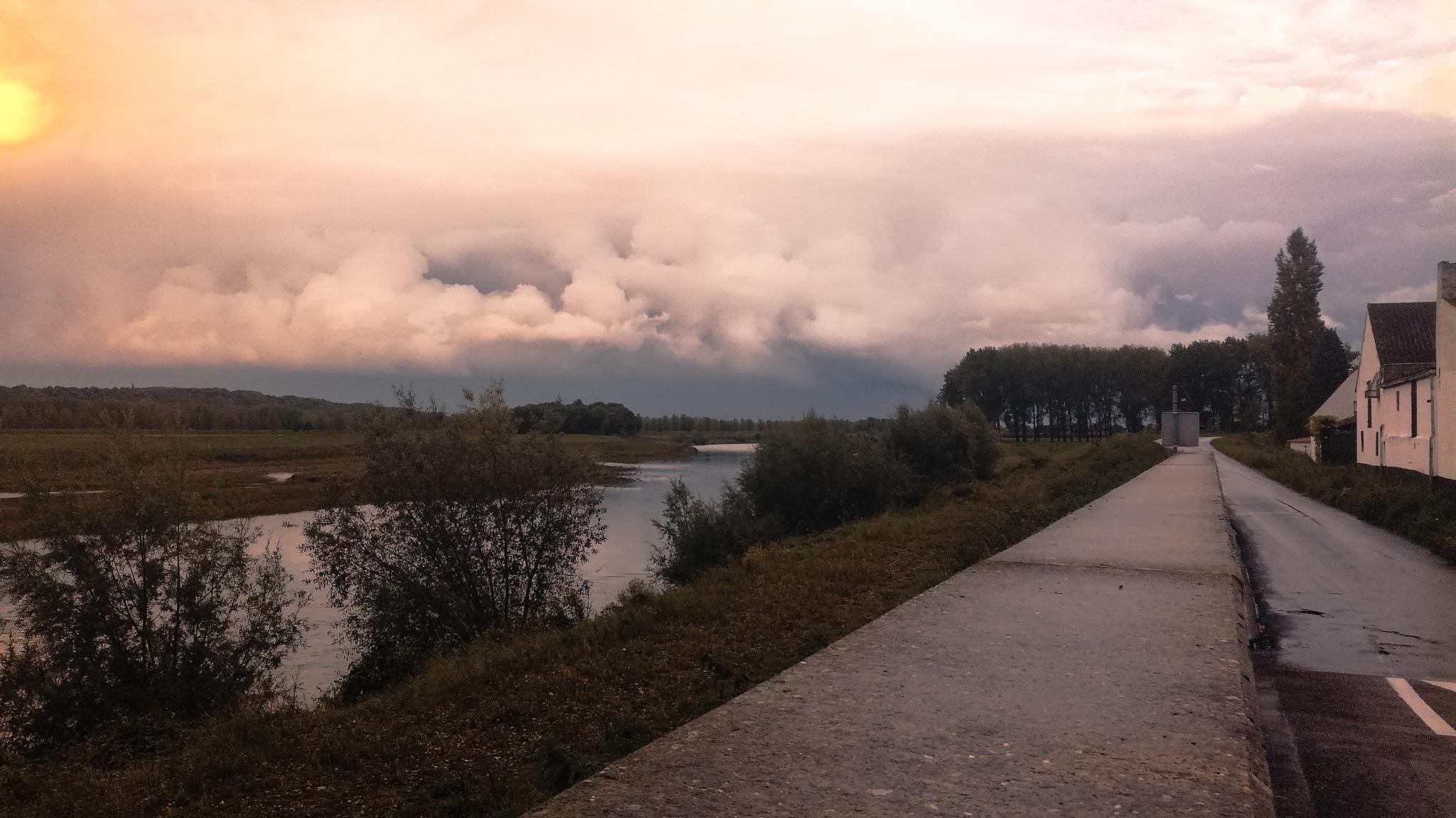 De Maas  by Björn Voortmans