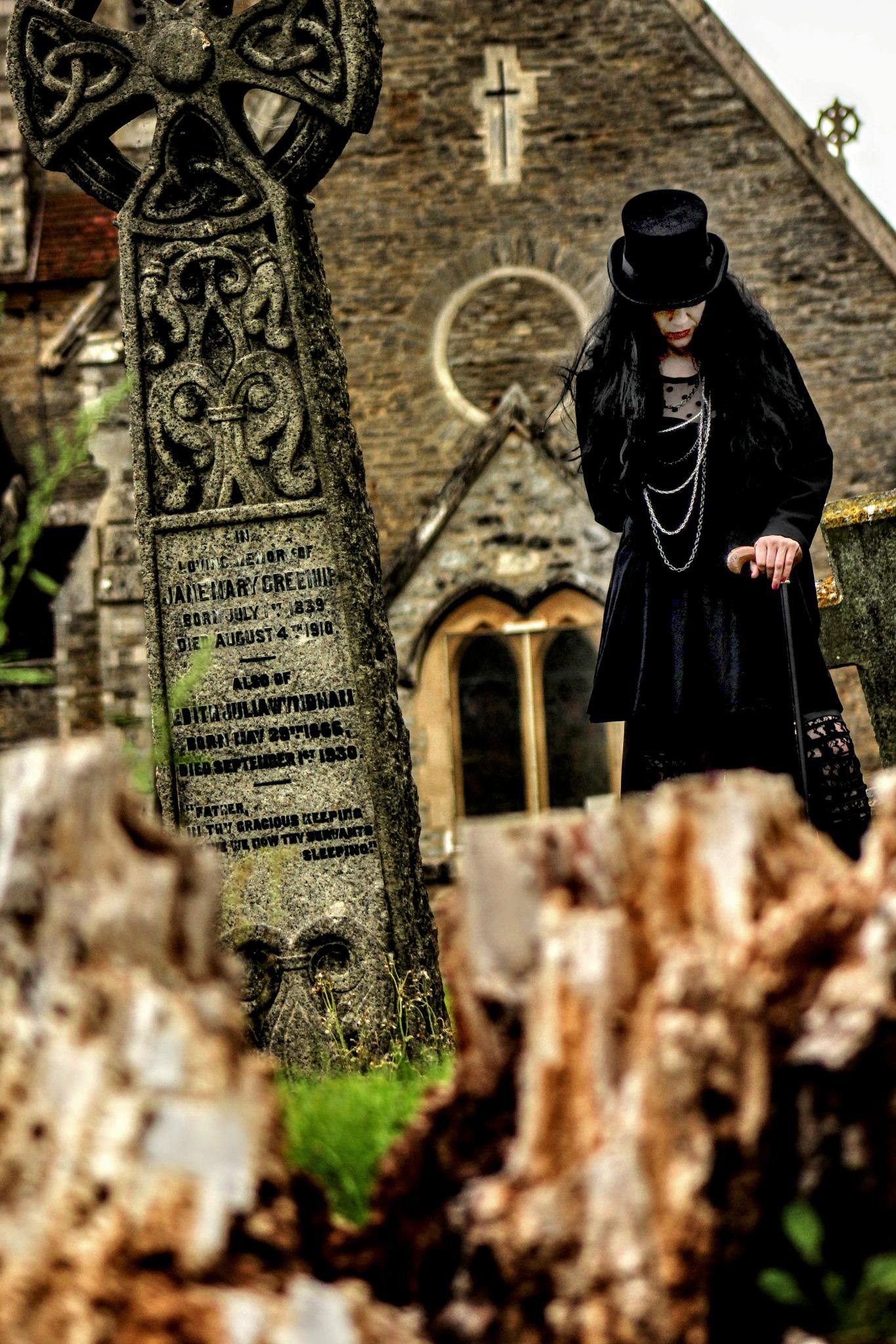 Graveyard Shift by MartinIngley