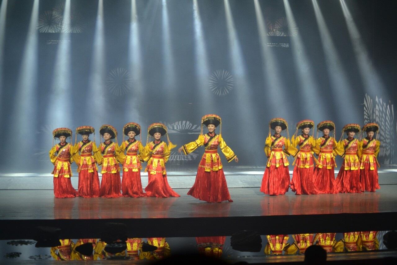Dancing in Dali by Eva Ekengren