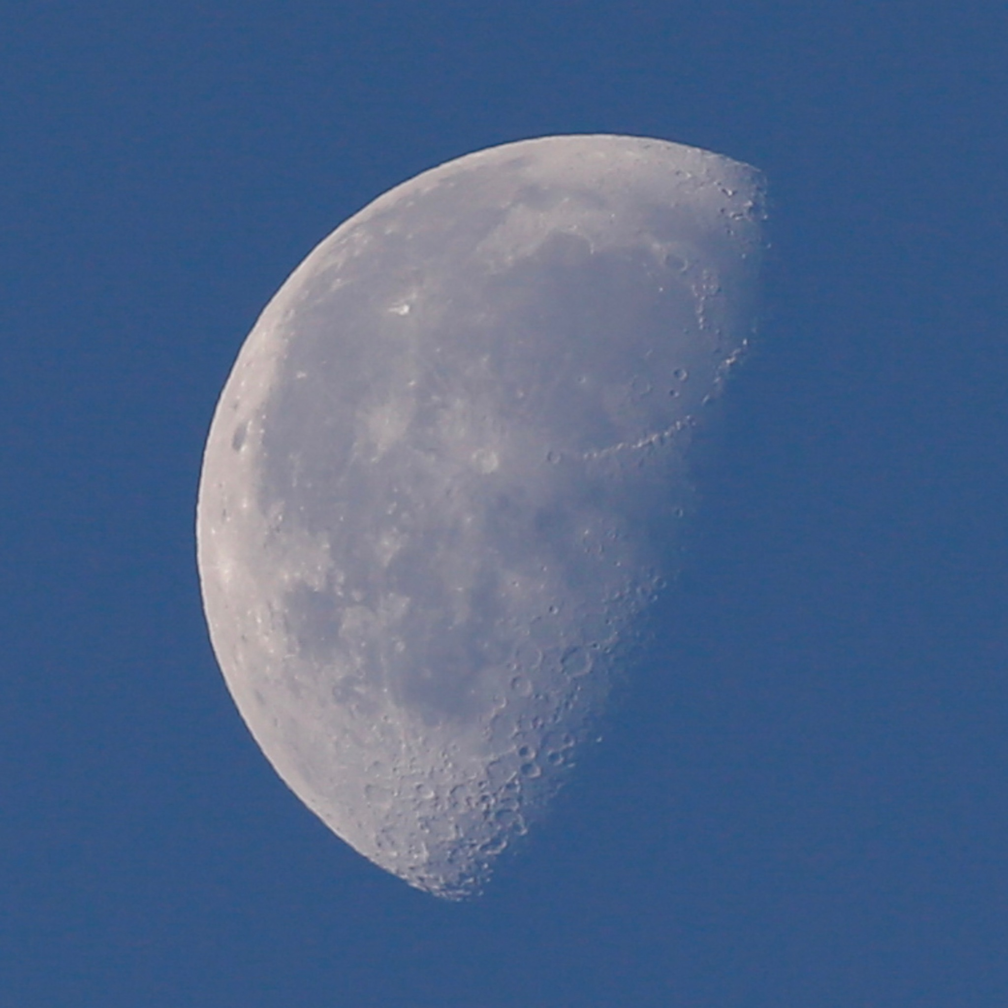 You guessed it The Moon early this morning  by Paul1964