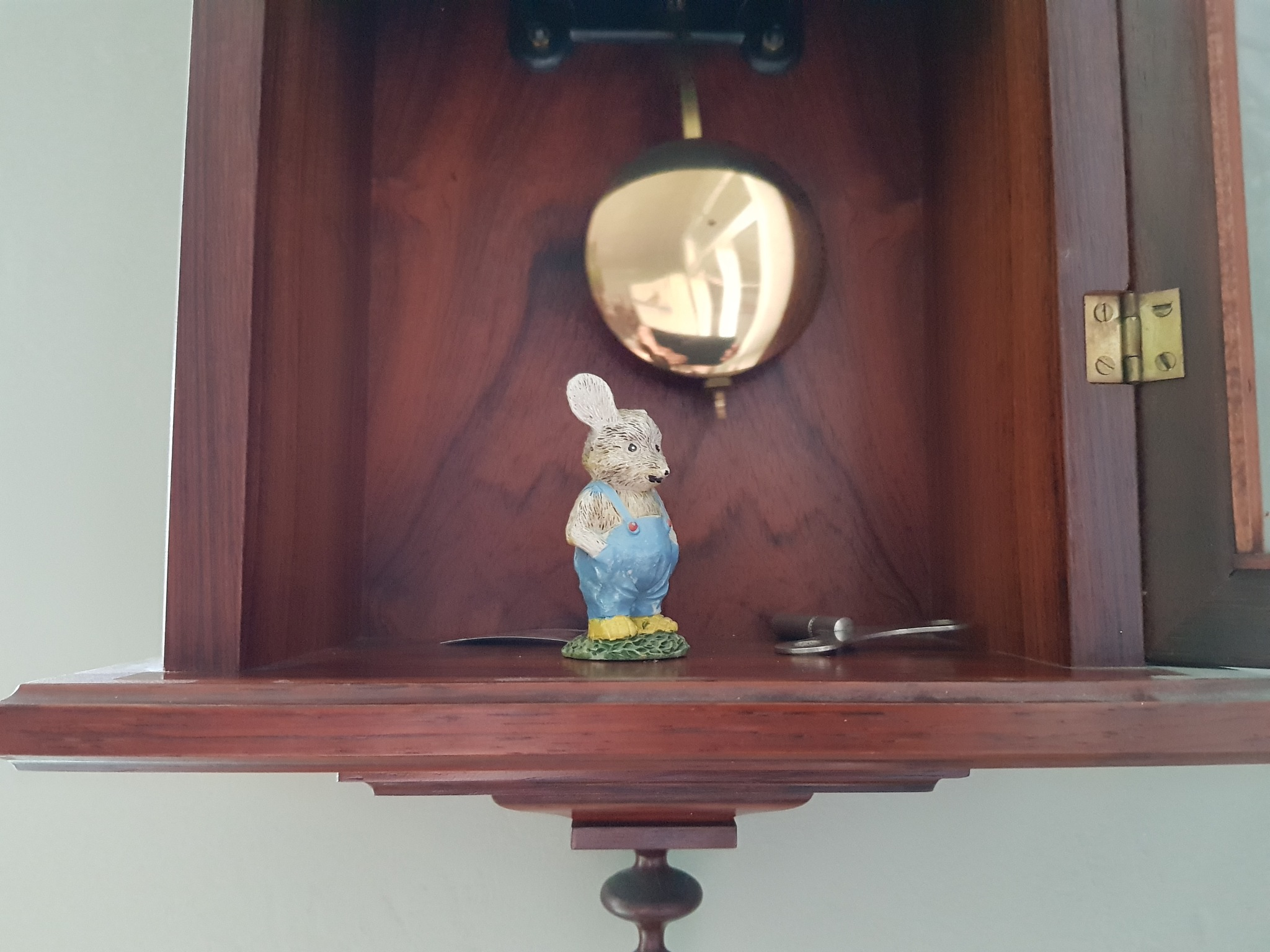 A Mouse in the clock by Justmetoo