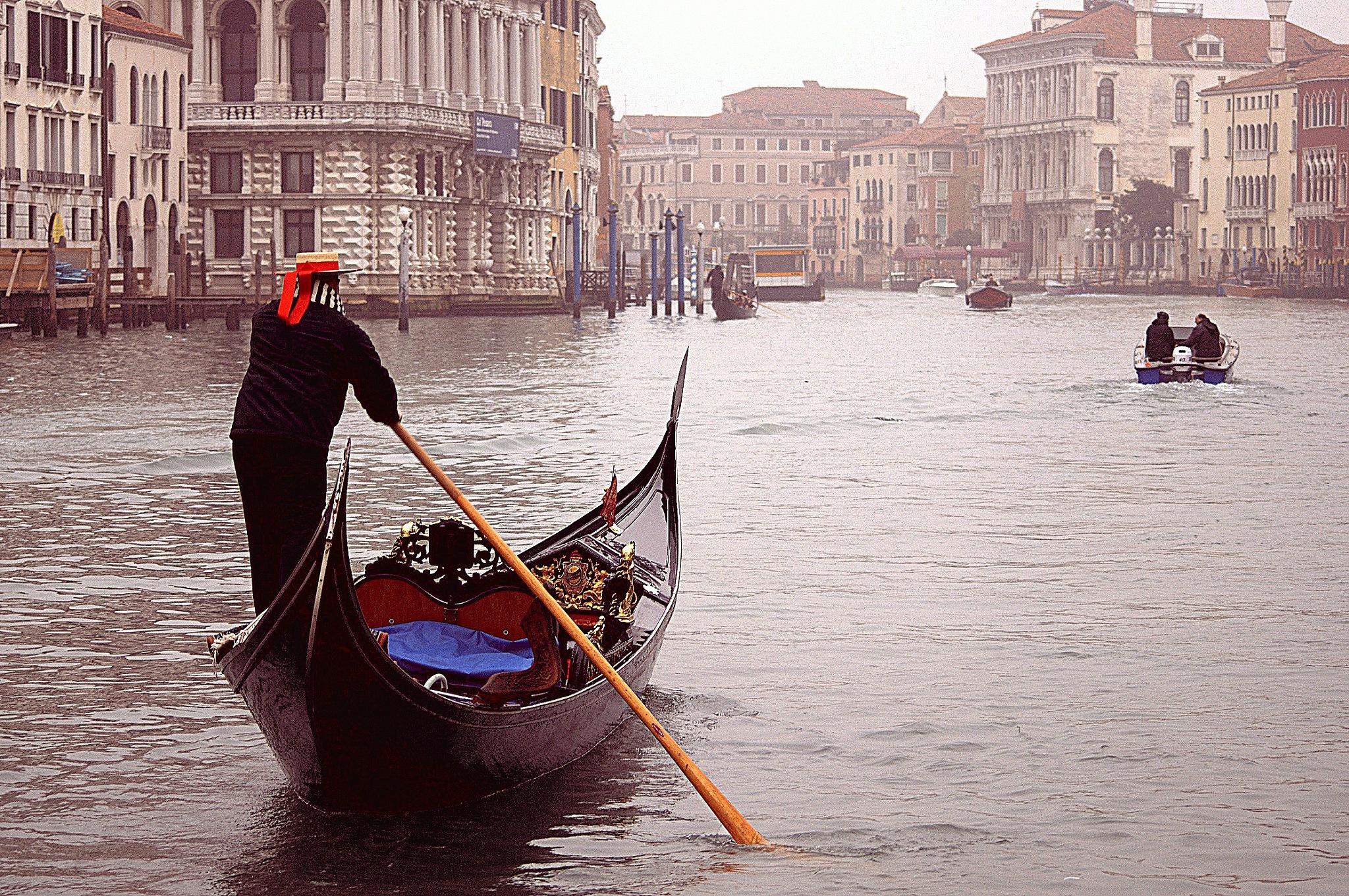 Fog in Venice by vitopedone