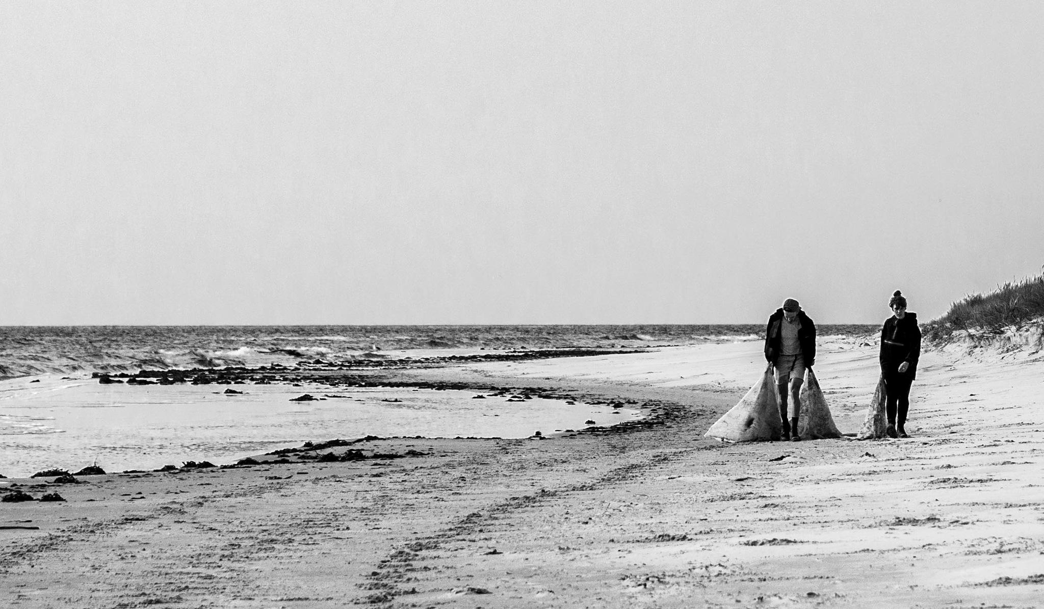 On the Beach by Rapsbollen