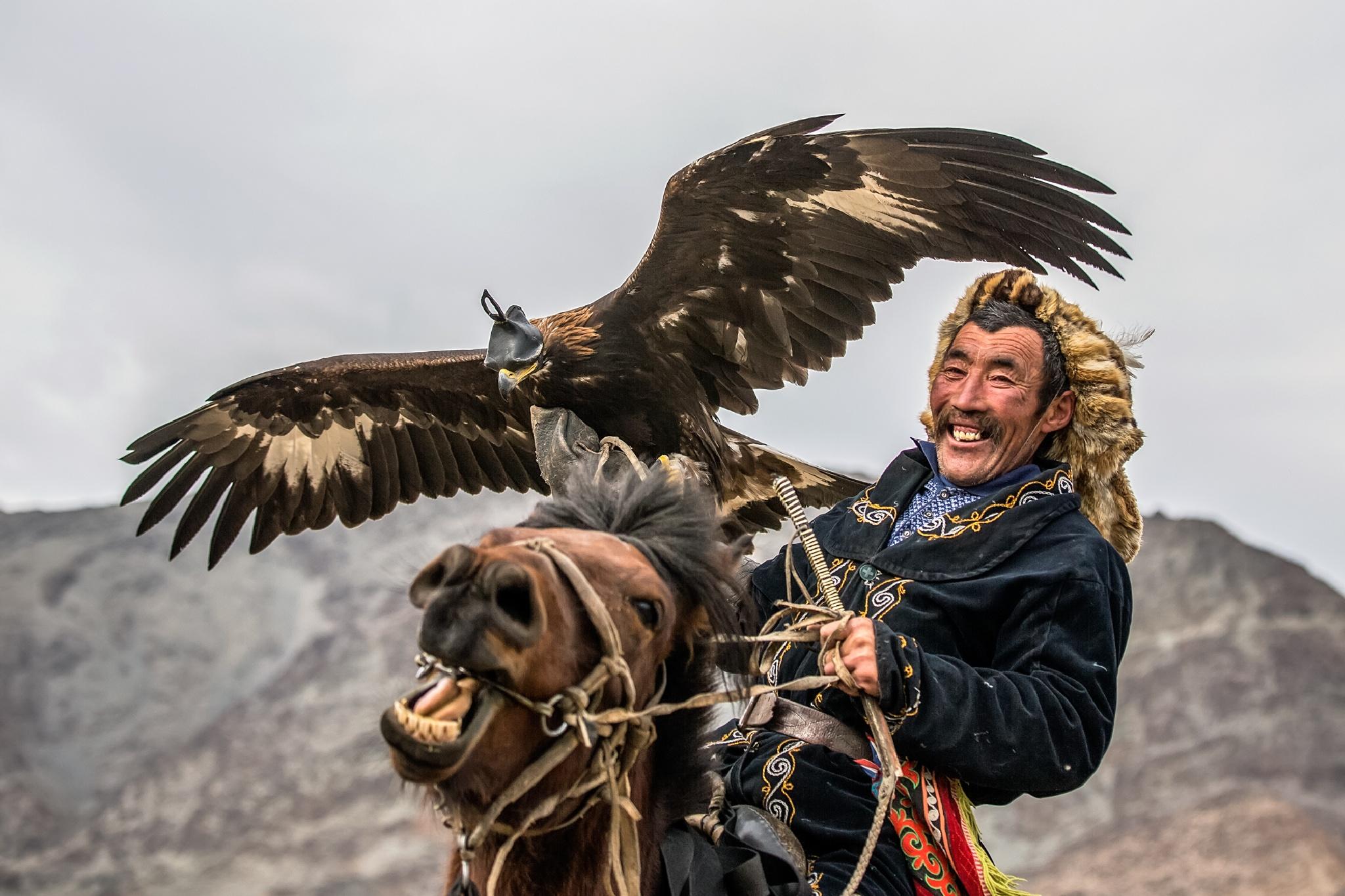 Eagle hunter,  Mongolia by Batzaya Photography