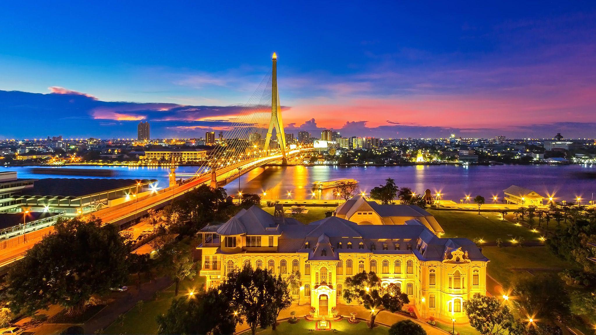 Bangkunprom Palace  Bangkok Thailand by ichoo2000