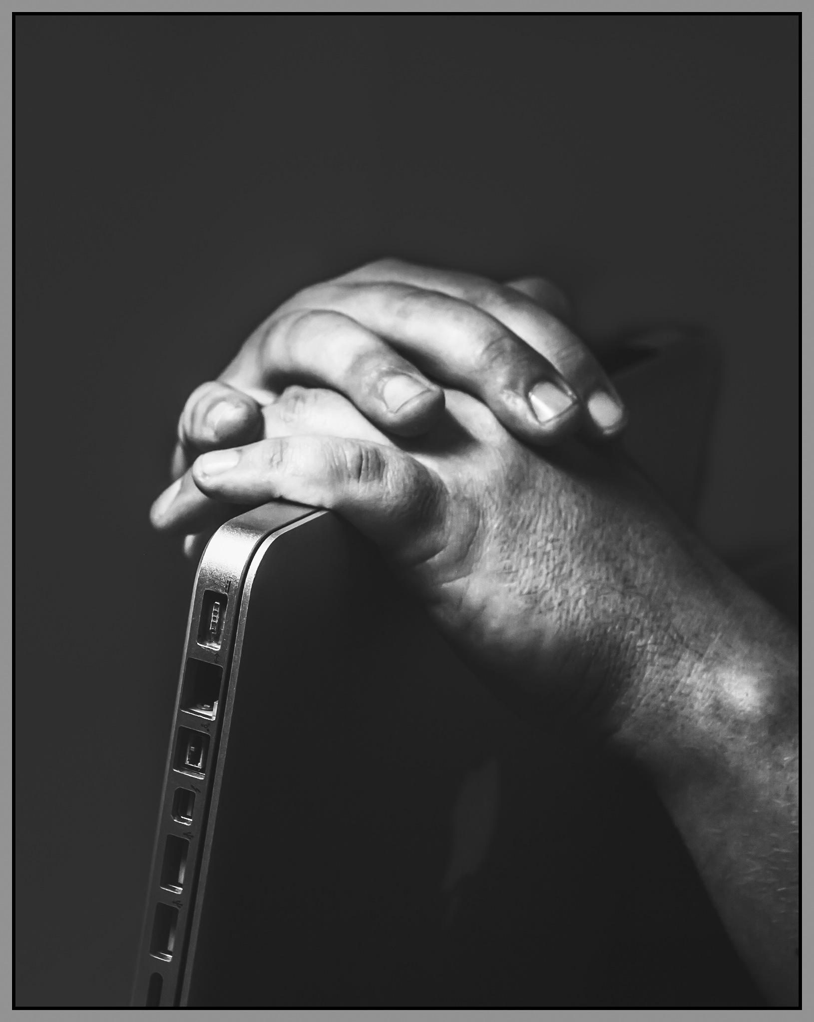 Hands by benny_b