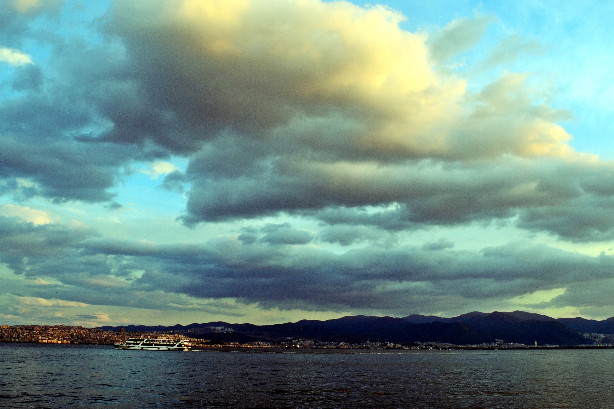 My city after rain. by özlem sülo