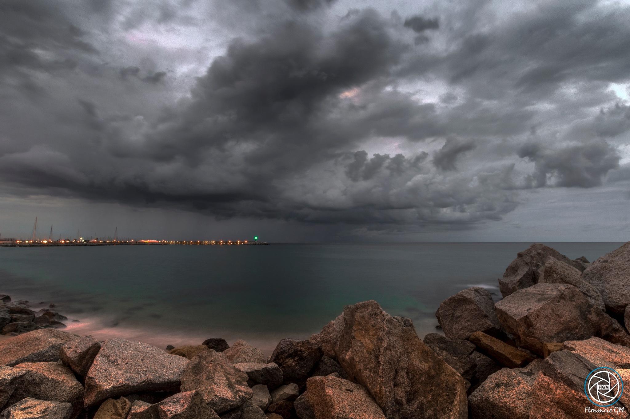 He threatened, but finaly, has not fallen a drop Playa de Poniente by Florencio GM