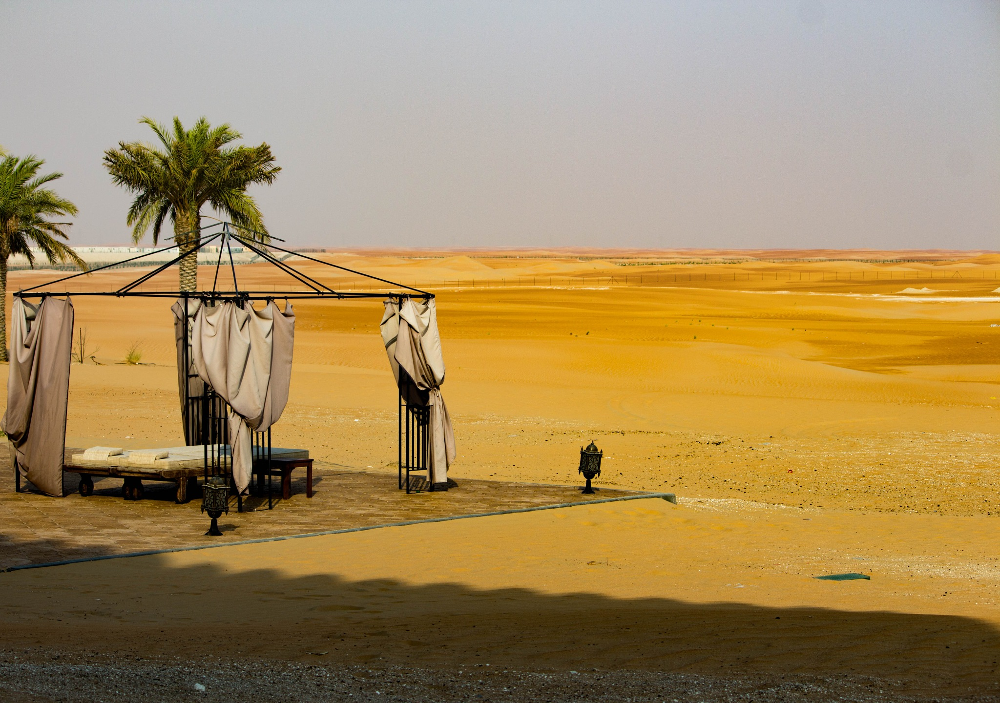 Rest place by the desert by Sonans
