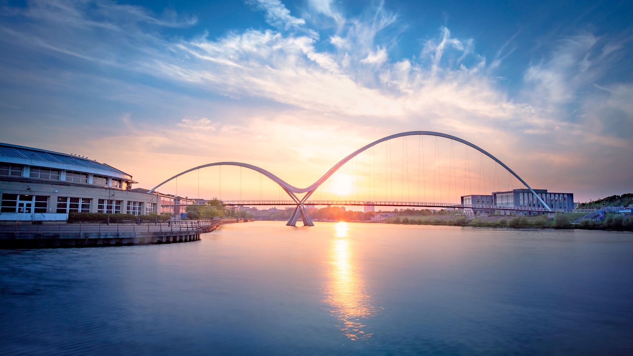 Millennium Bridge by Tony Shaw