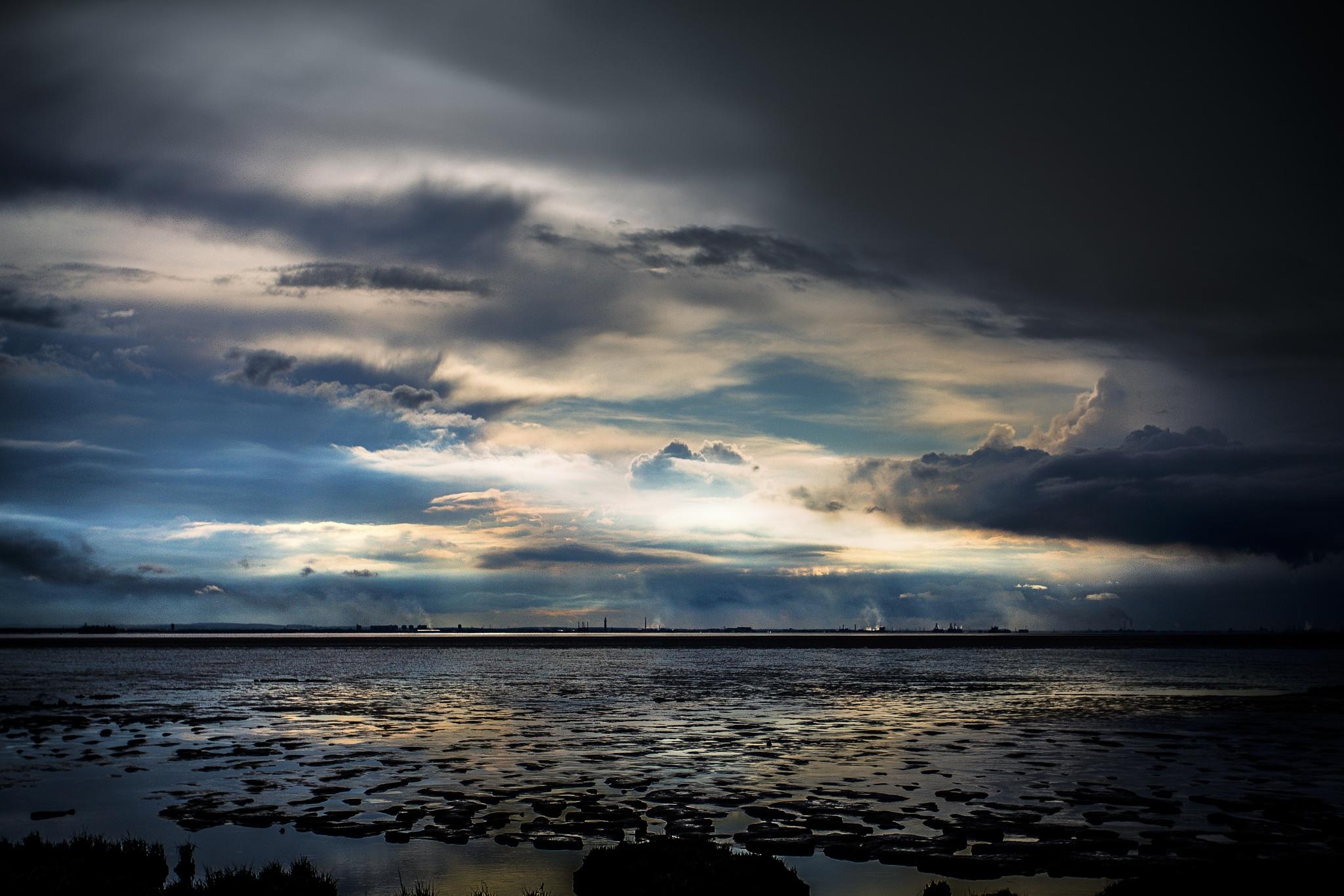 Humber Sunset by Tony Shaw