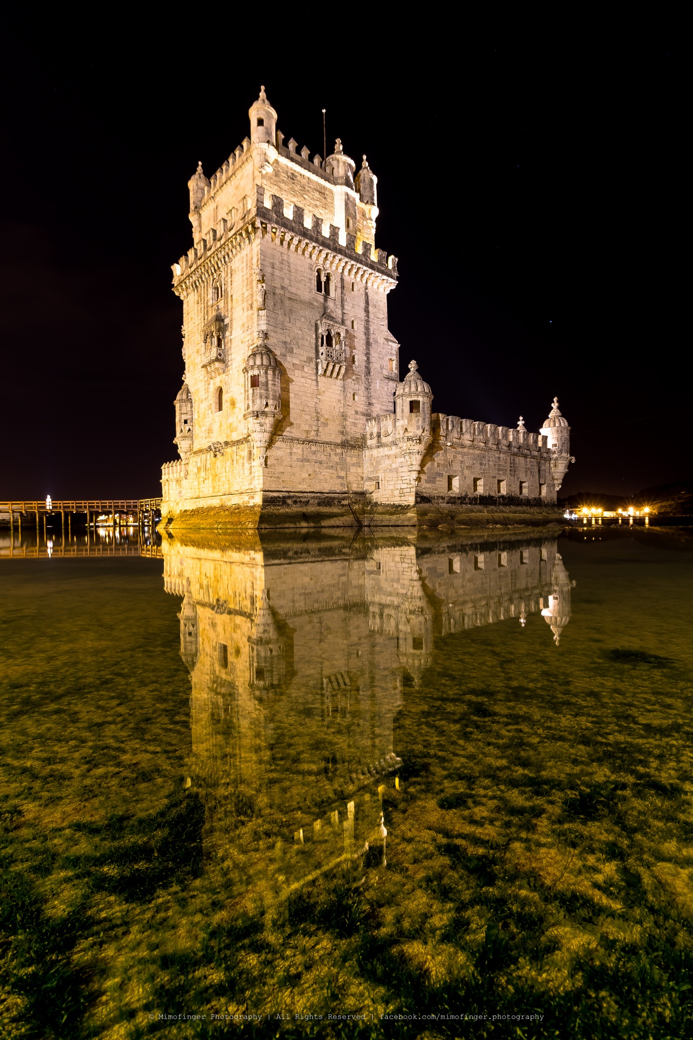 Lisbon by night by Mimofinger Photography