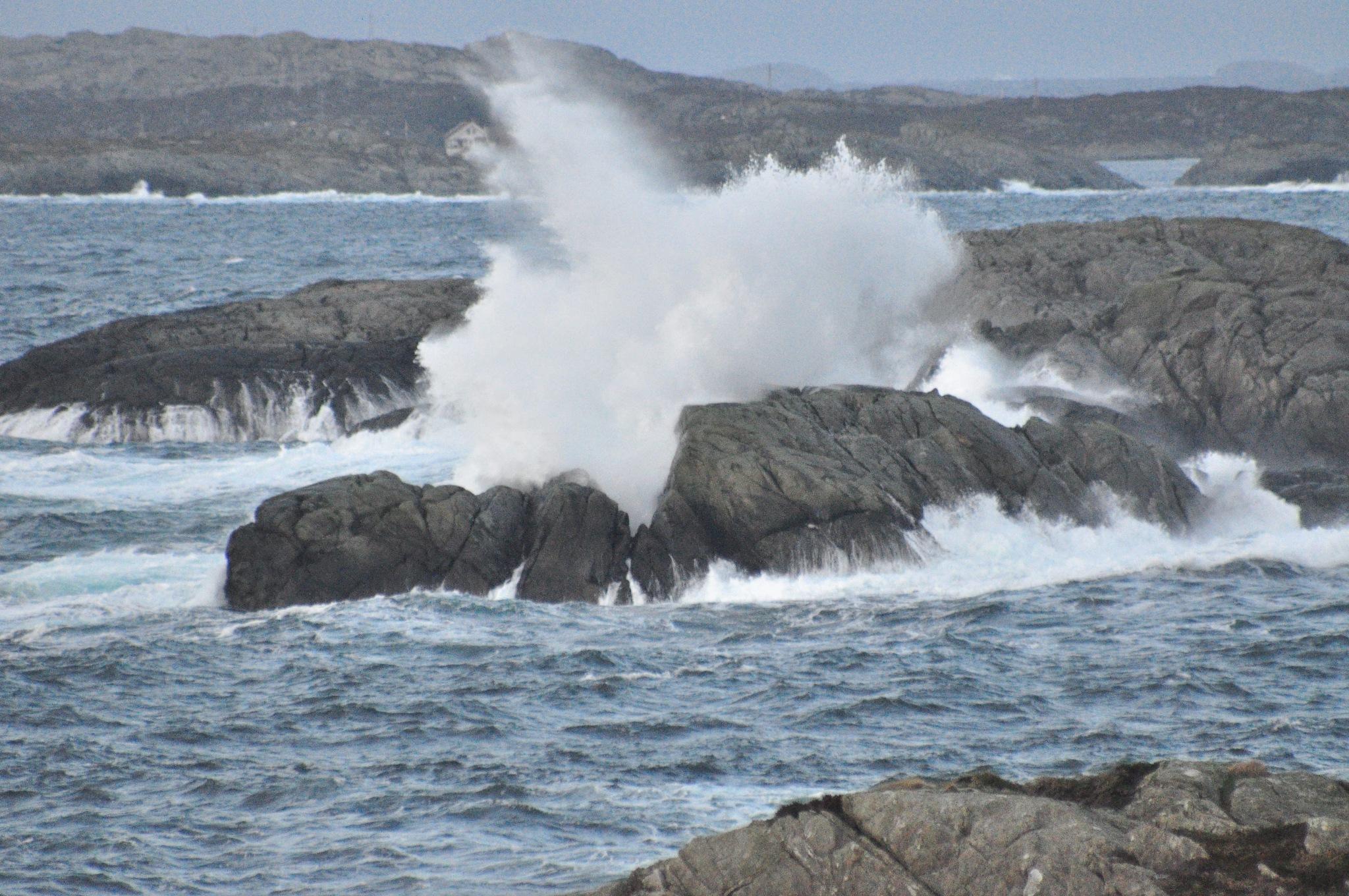Stormwave by Dag Olav Øverland
