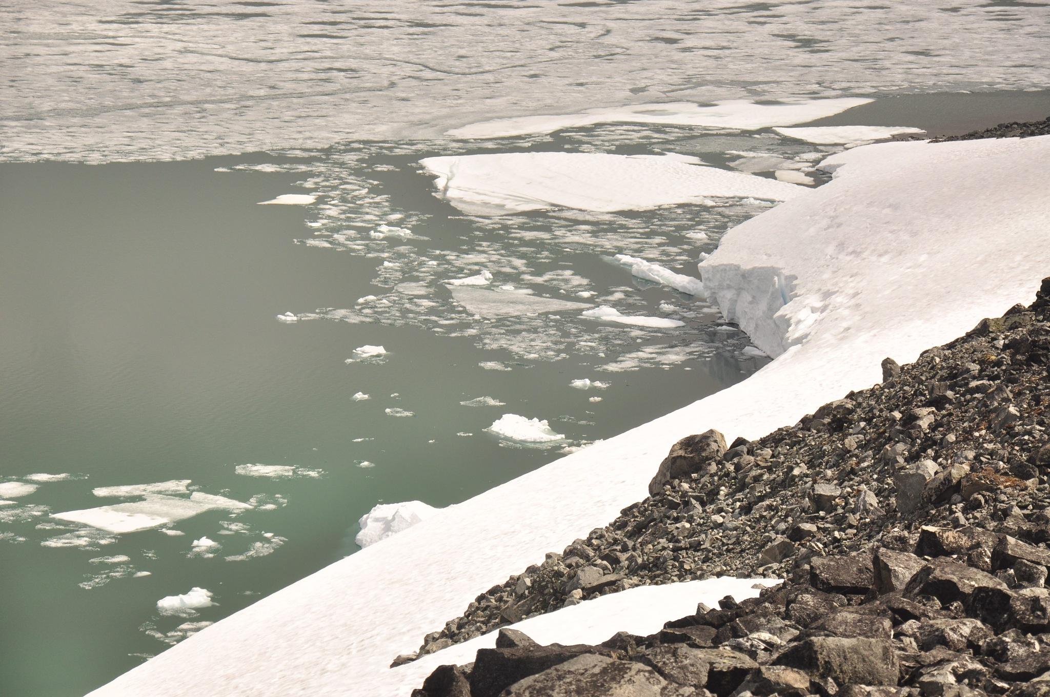 Icecold lake by Dag Olav Øverland
