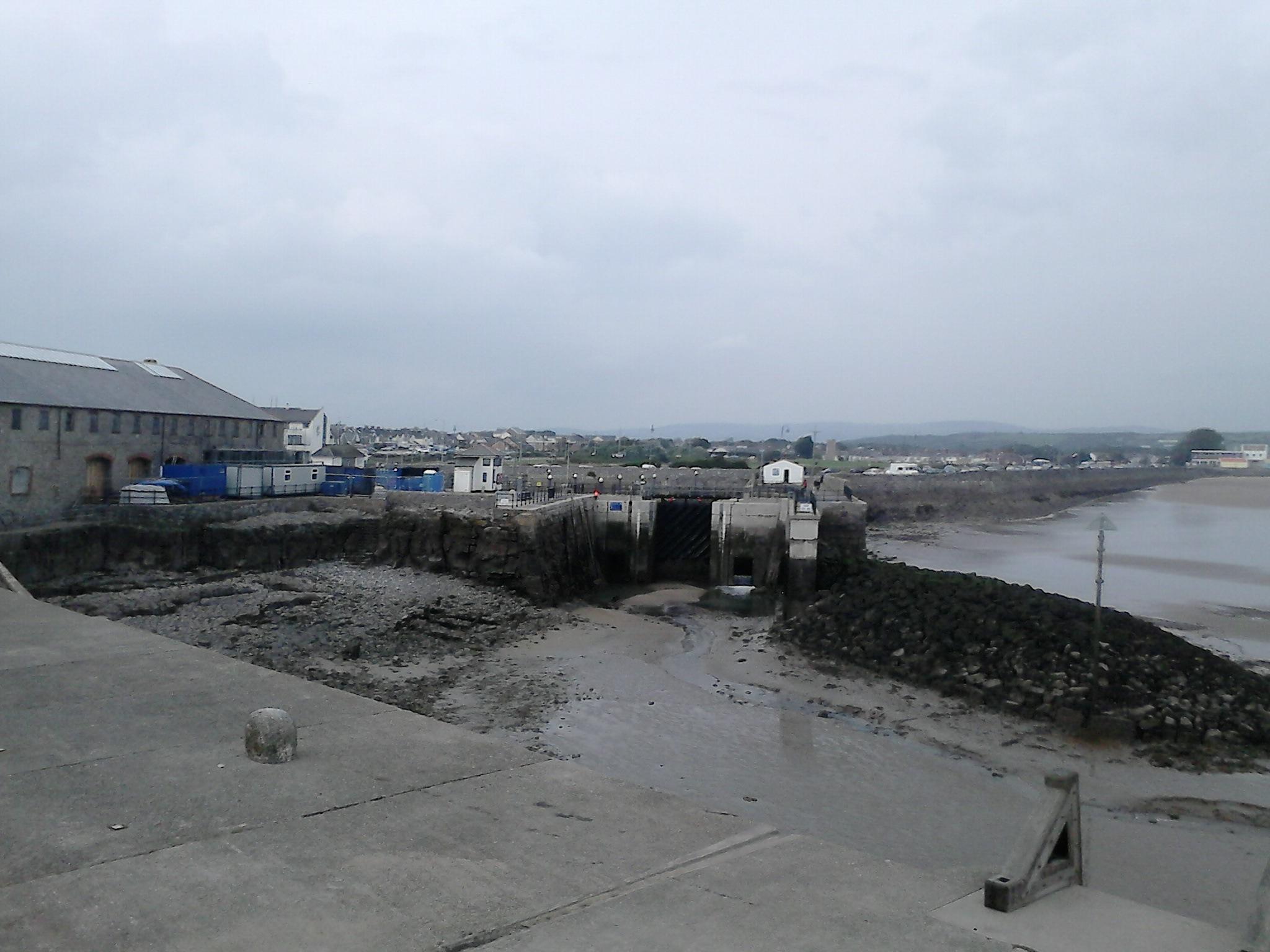 Docks Entrance At Porthcawl by kgpl