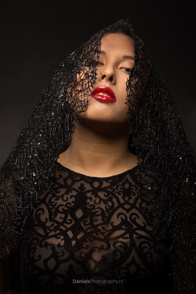 model Chayenne - Red lips by Gerard Daniels