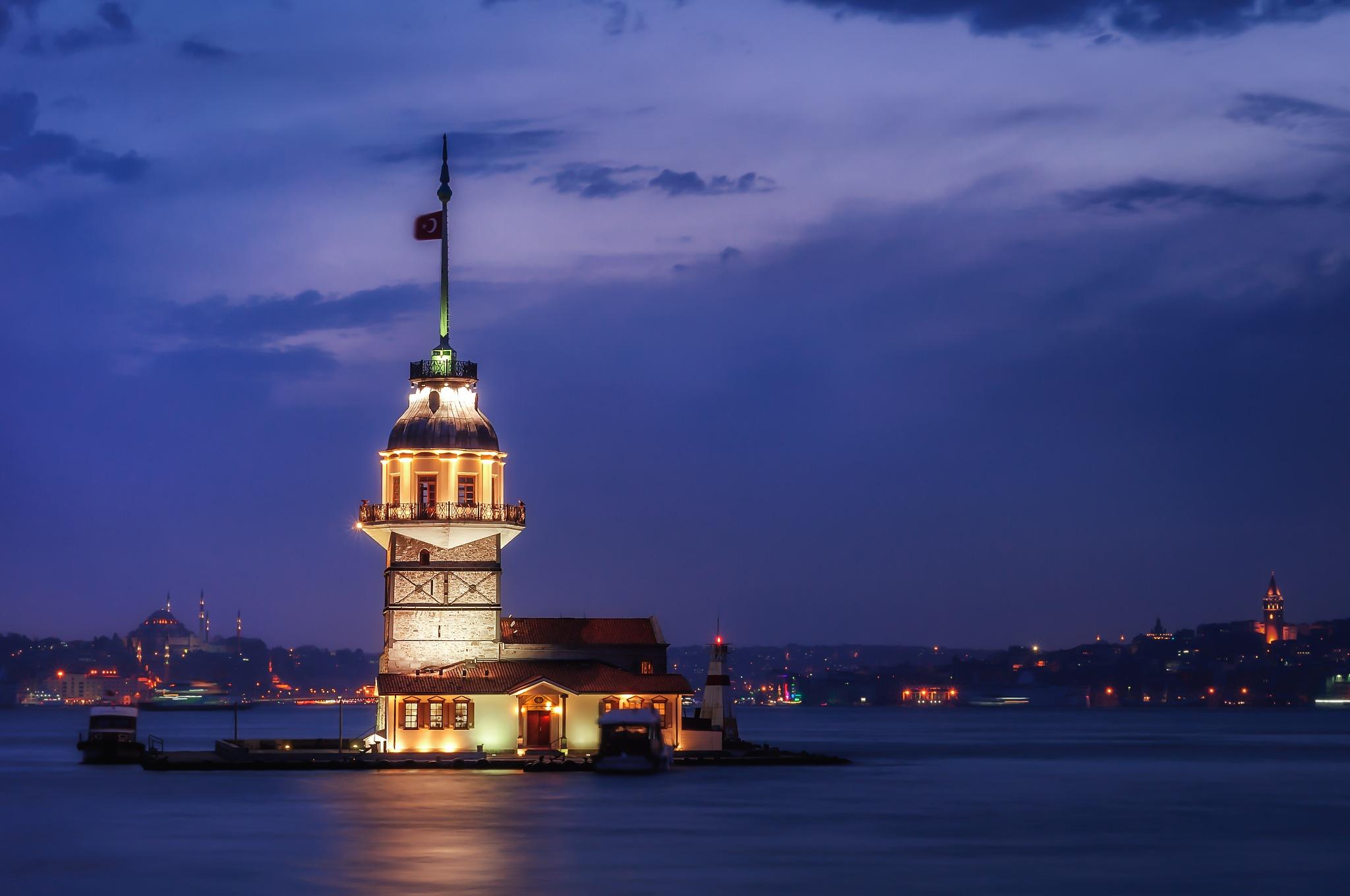 Maiden Tower  by Arif Tekcan